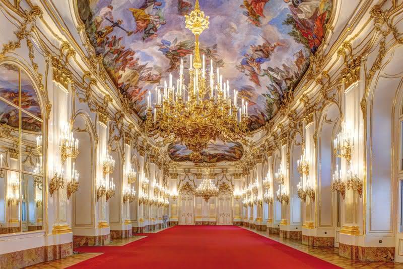 Ballroom in Schonbrunn Palace