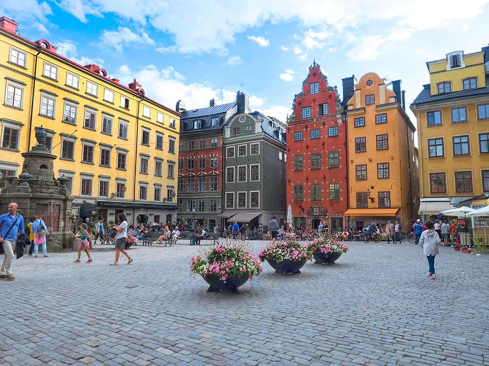 Sweden-Stockholm-Main-Square-in-Gamla-Stan-Old-Town.jpg