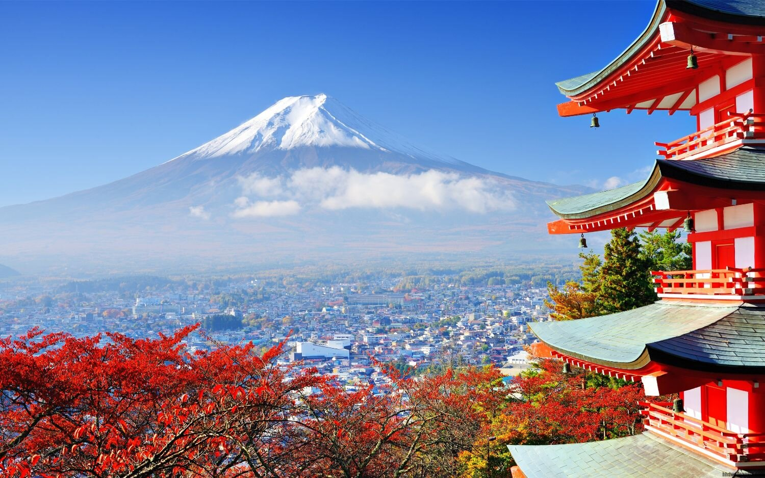 Mount-Fuji-in-Japan-highest-mountain-wide__1523292657874__w1500.jpg