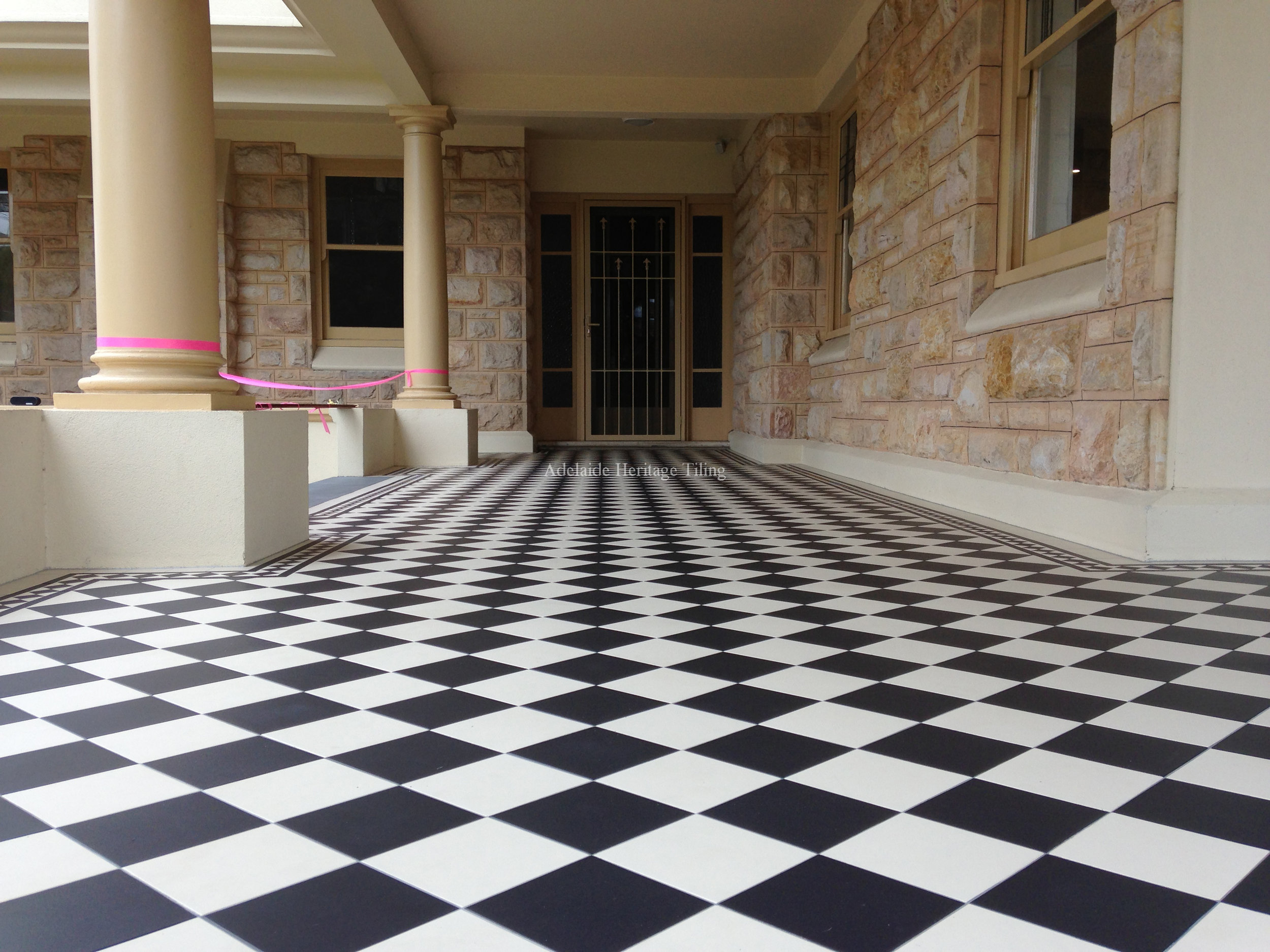 Black and White 150x150mm squares with Norwood Border