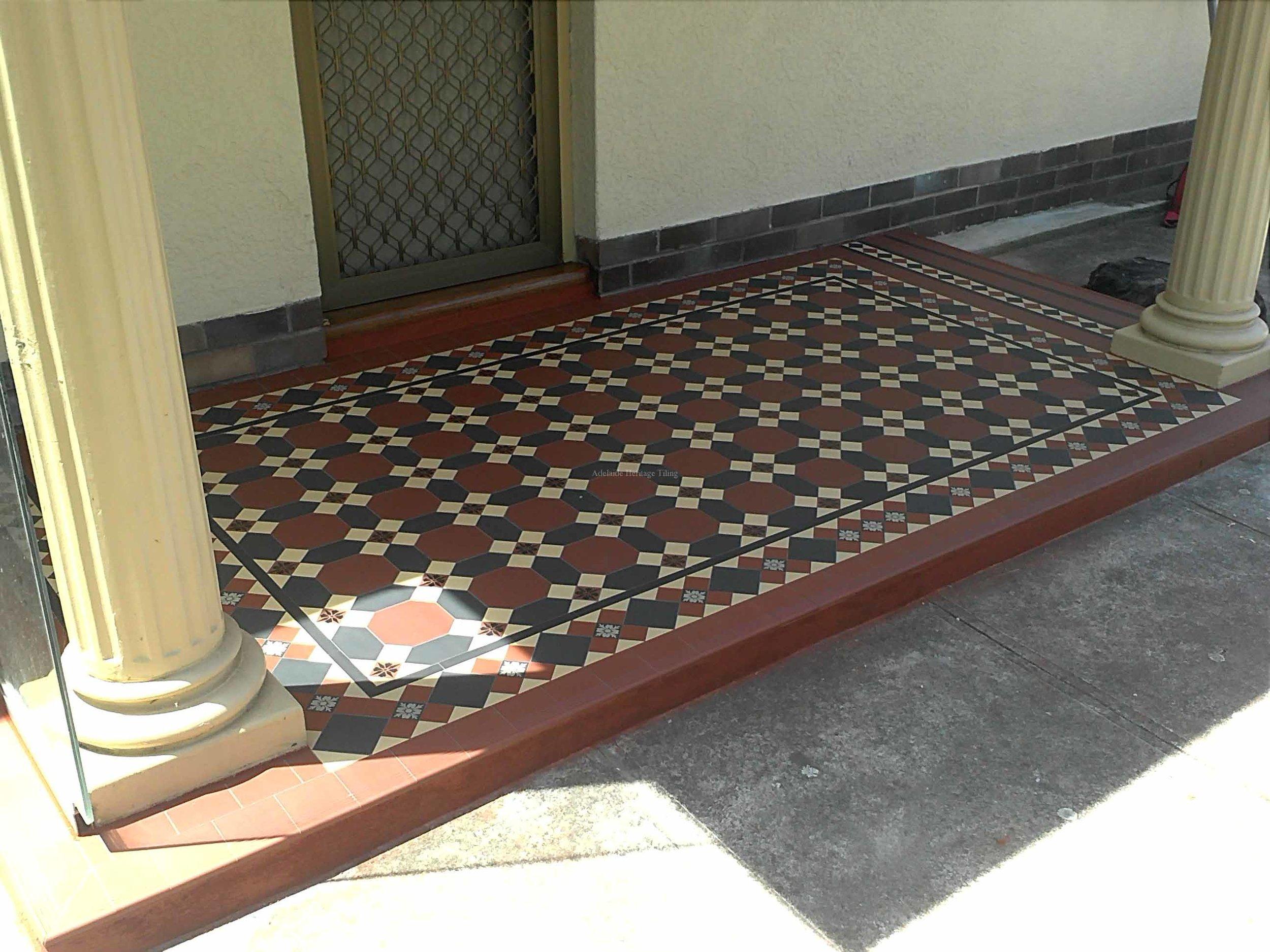 Custom tessellated pattern and border