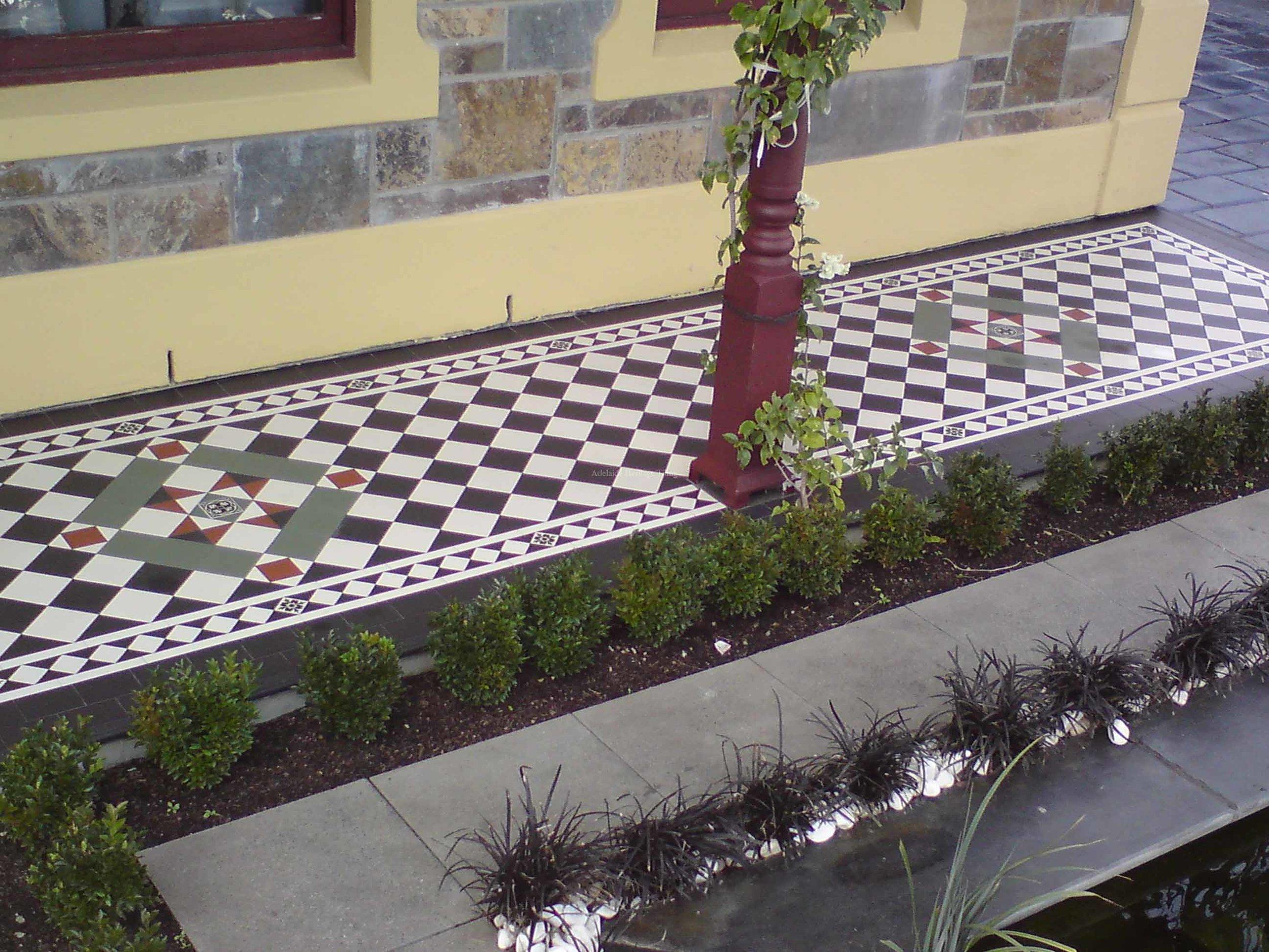 Black & White Squares with Norwood Border Paddington Panels