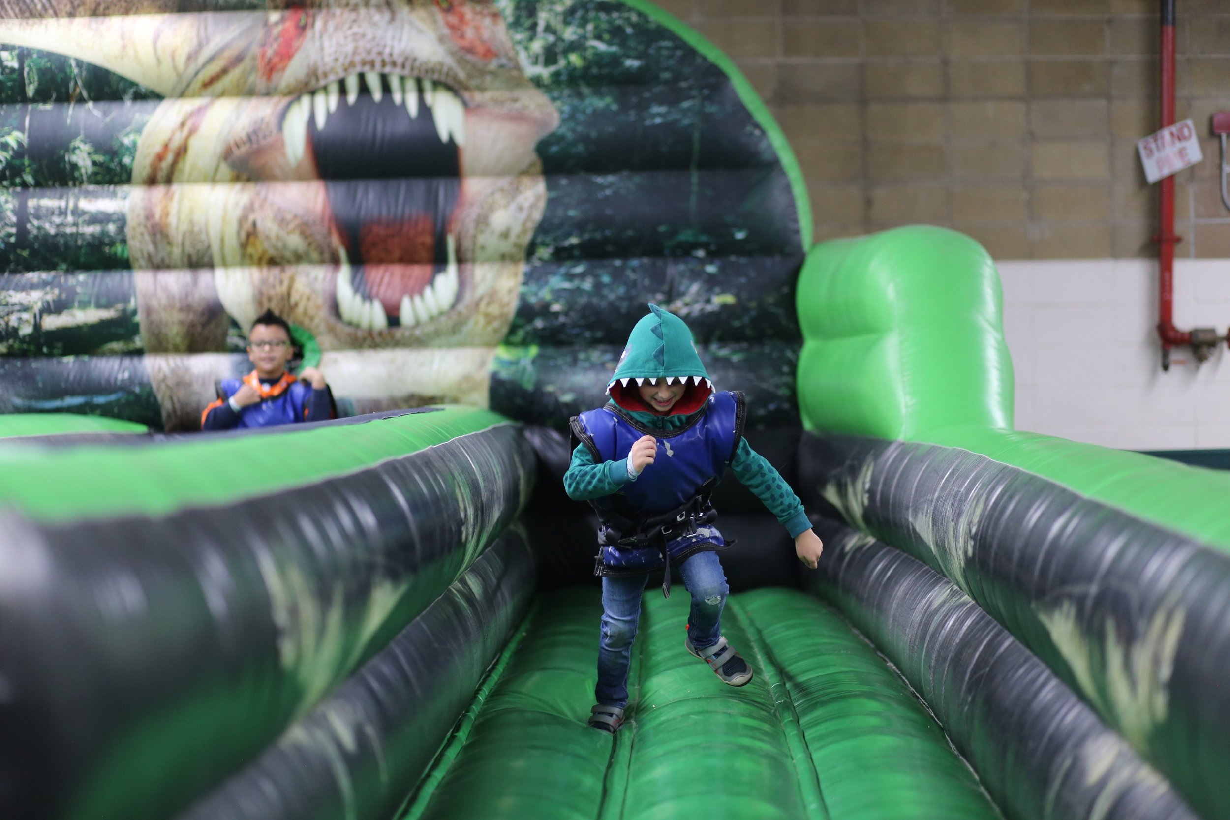 Jurassic Quest- Run!!!!!!!