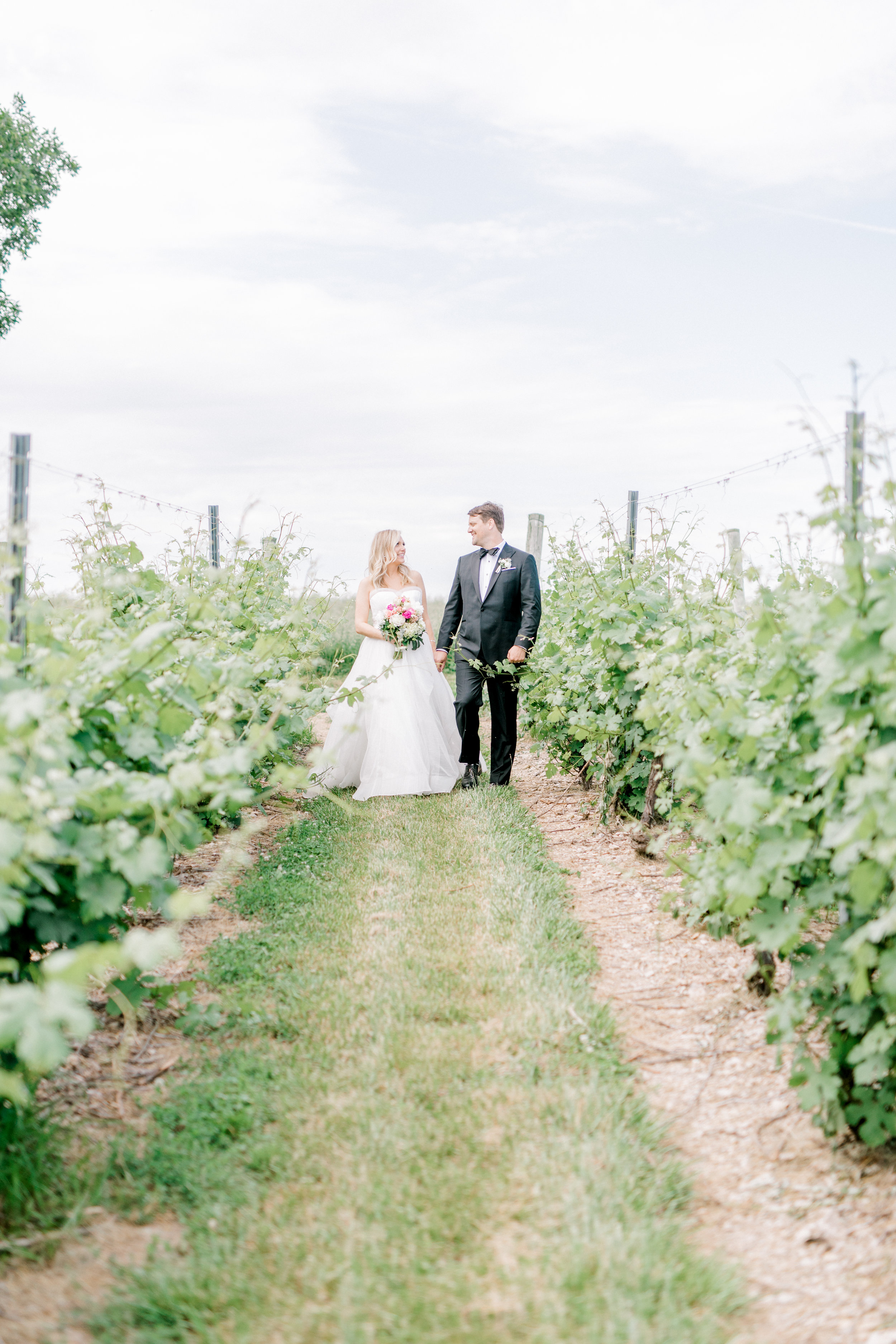 haley-richter-photography-fero-vineyards-summer-wedding-allison-and-josh-winery-pennsylvania-170.jpg