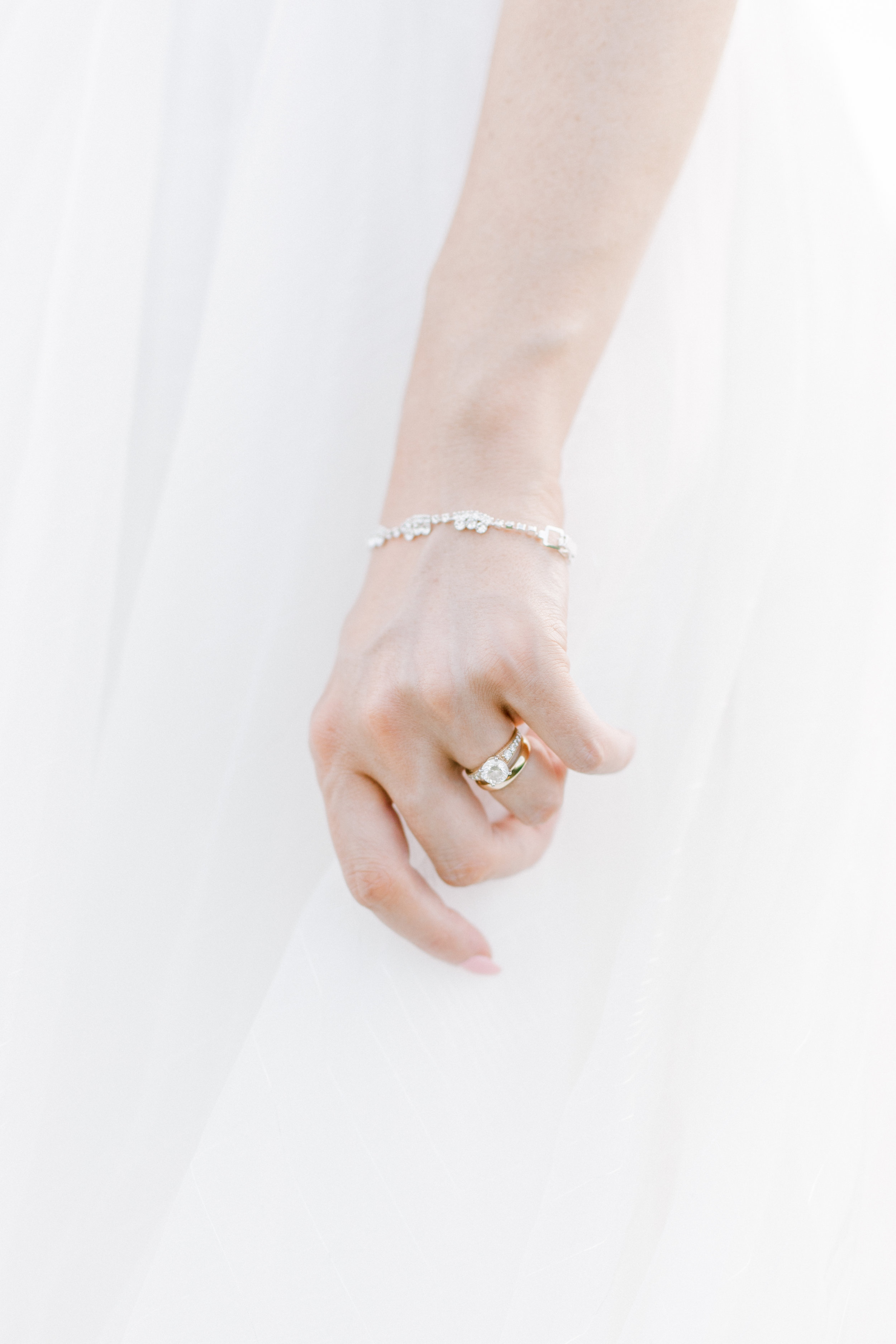 haley-richter-photography-summer-vineyard-winery-wedding-birde-ring-bands-silver-diamond-gold-band-jewelry-detail
