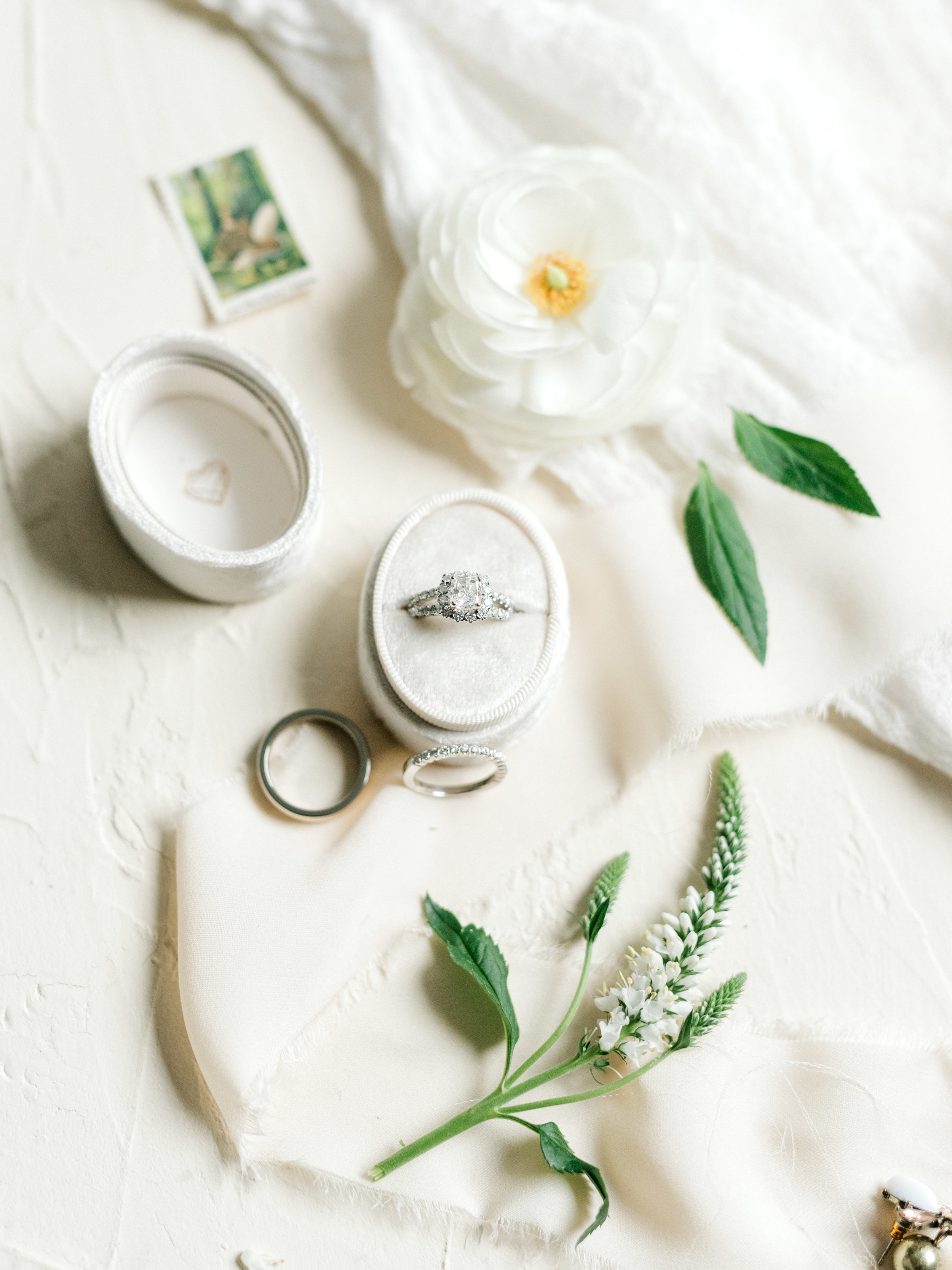 Beautiful white and green details, with a sparkling diamond ring from this bright boho chic Tyler Gardens wedding in Bucks County, need we way more?