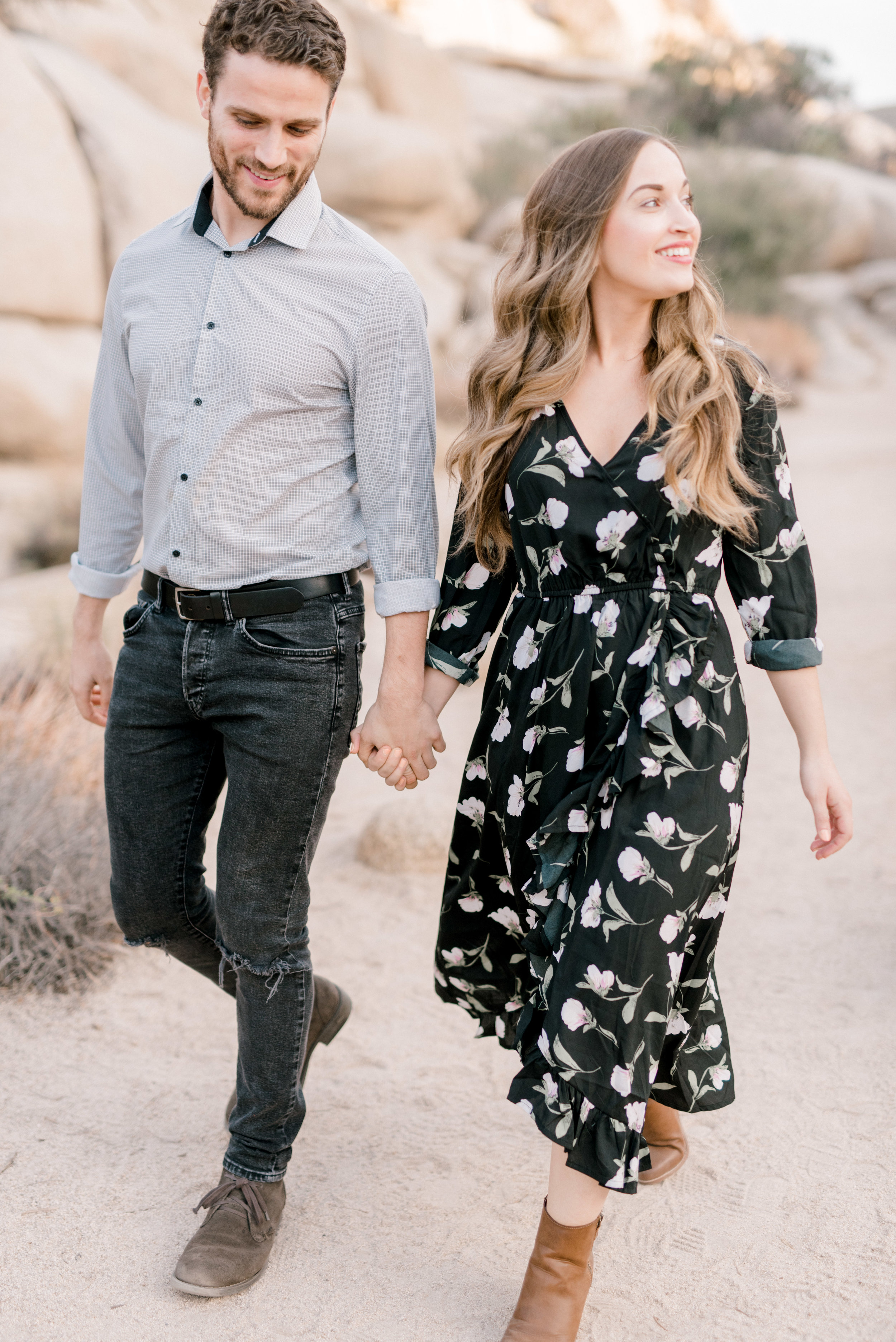 We simply adore this edgy, yet put together boho look from Jenna and Sam's free-spirited desert engagement session in Joshue Tree