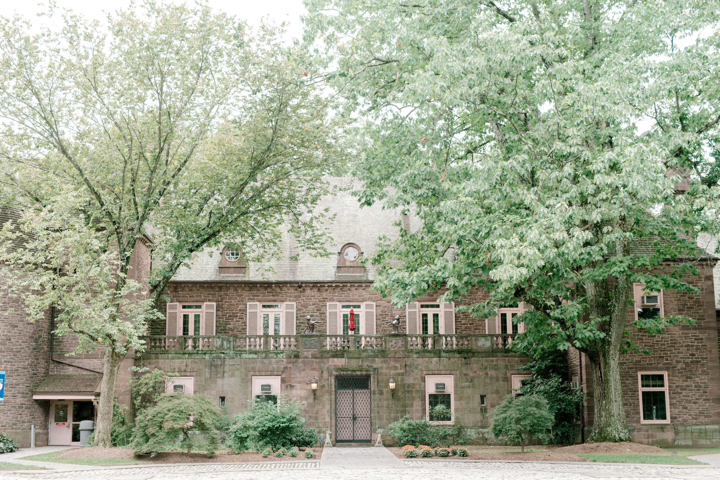 We're still blown away by the old stone architecture from this bright boho chic Tyler Gardens wedding in Bucks County