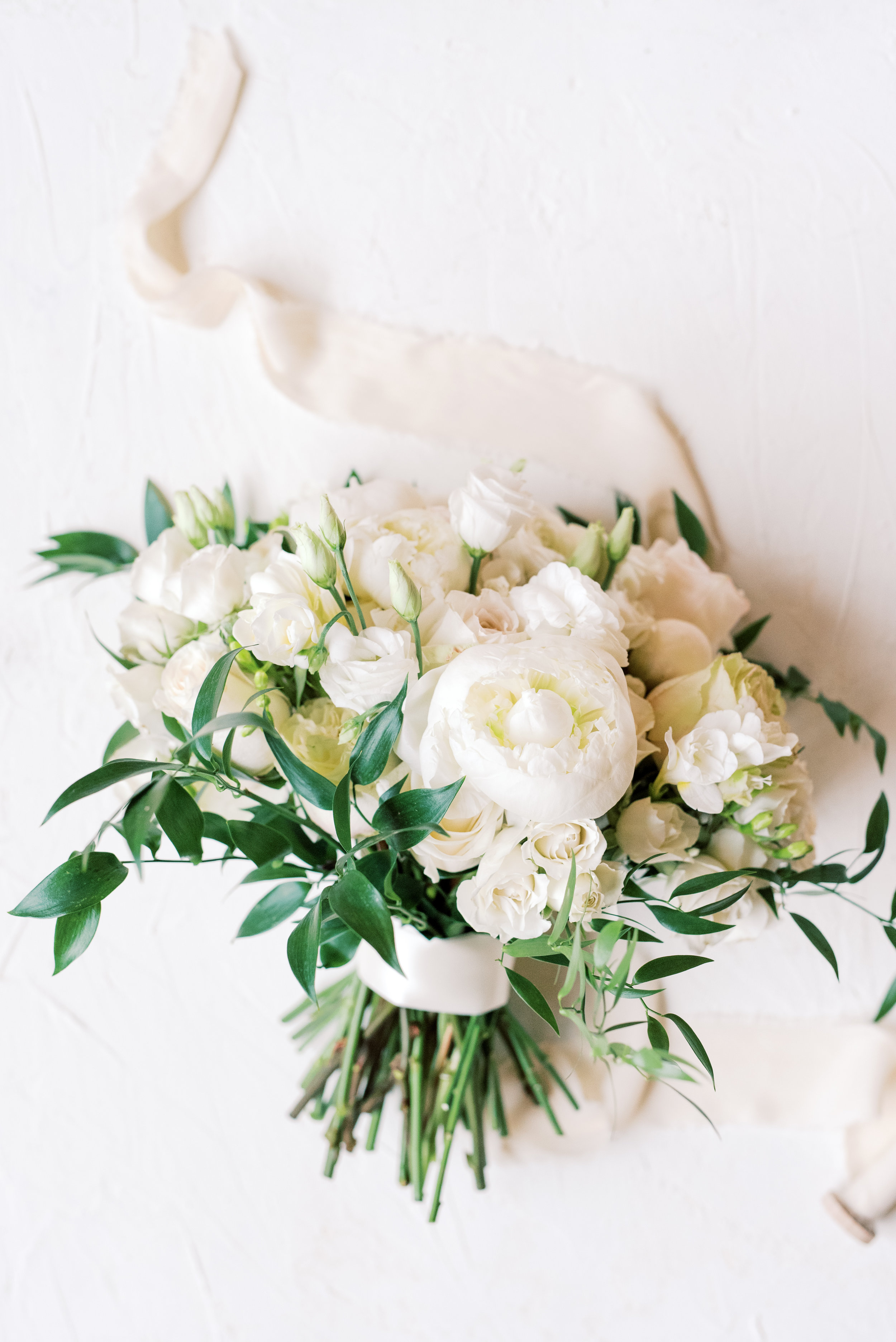 White and a little wild, the perfect classic bouquet for this romantic and classic wedding day for their french inspired green and white Cairnwood Estate wedding