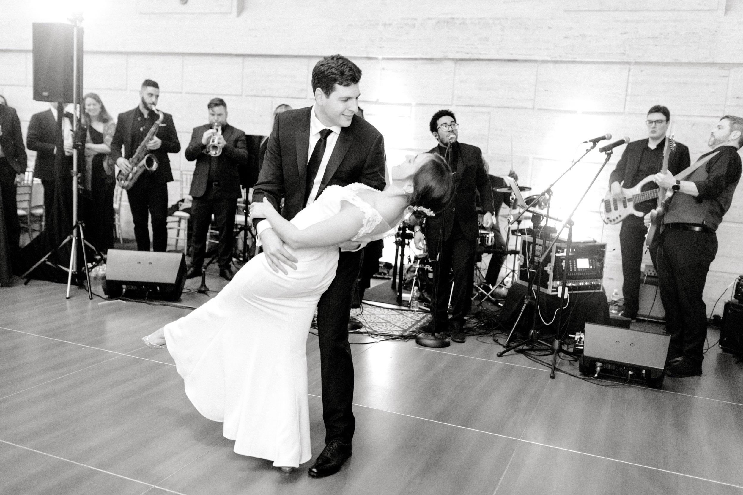 haley-richter-photography-classic-winter-union-trust-philadelphia-wedding-097.jpg
