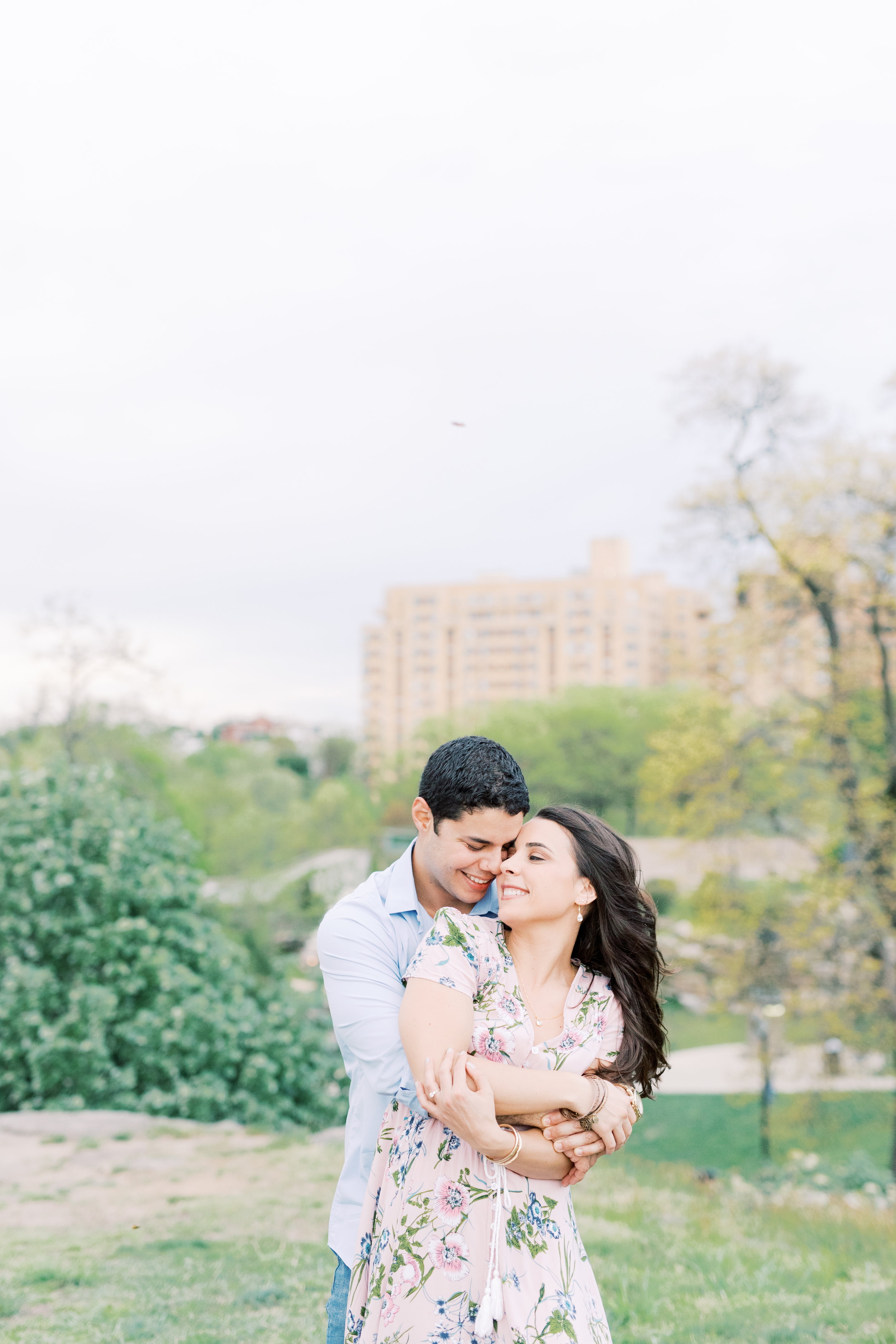 haley-richter-photography-spring-engagement-session-philadelphia-museum-of-art-flowers-picnic-60.jpg