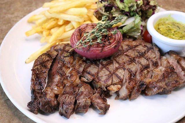 كيف تحب شريحة اللحم الخاصة بك؟ 🥩 . . How do you like your steak cooked? 🥩 . . #riyadhrestaurants #riyadhfood #riyadh #lokmaistanbul #lokma #لقمة #لقمة_اسطنبول #الرياض #مطعم_تركي #مطاعم_الرياض