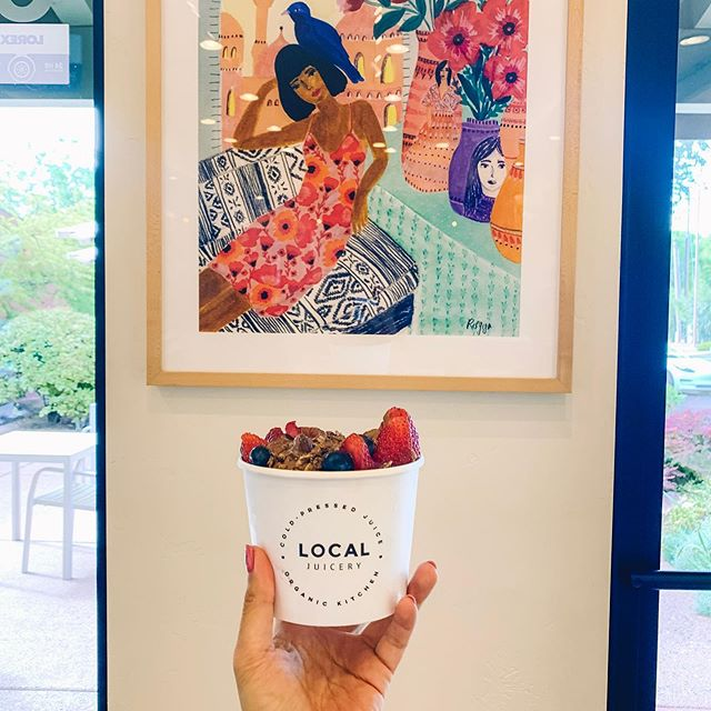 Sedona Cafe「Local Juicery」🌵  オーガニック食材を使用したLocal Juiceryはインテリアやパッケージもモダンでヘルシー!⁠ ⁠ カラフルなジュースもキュートだし、ランチやブレイクタイムに最高😋 ⁠ ⁠ ••• #eatwholefoods  #healthymeals #paleo  #glutenfree #iamwellandgood  #thechalkboardeats  #todayfood #thatsdarling #beautifulhealth #f52grams #onthetable #food52  #travel #traveling #traveladdict #tourist #travelling #trip#travelgram #カフェ #ヘルシー #オーガニック #旅 #旅行