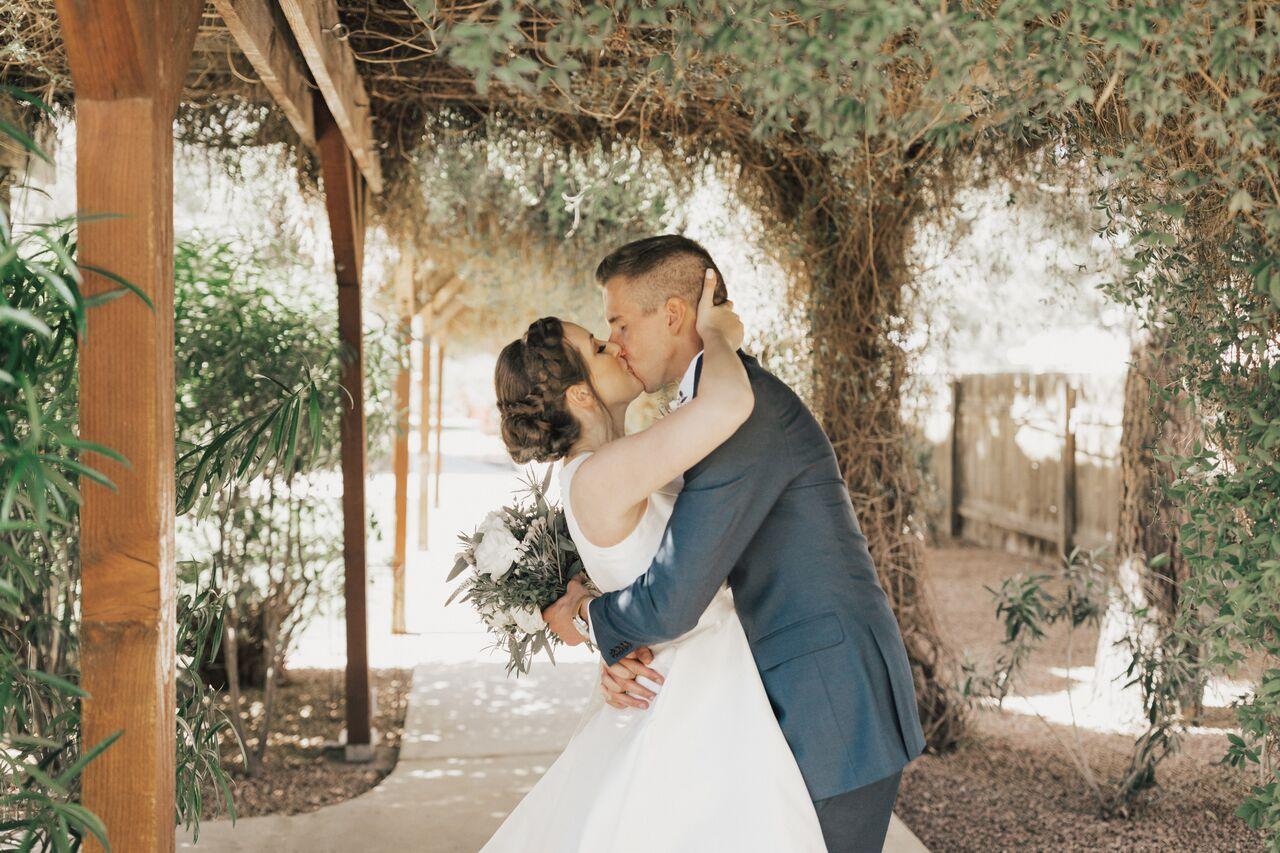 Arizona_Wedding_TheMill_Kiss_Bridal_BrideAndGroom