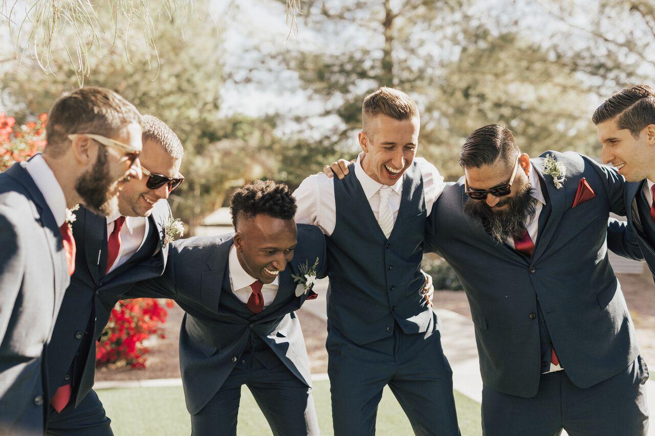 Wedding_Groomsmen_Funny_GreySuits_Groom