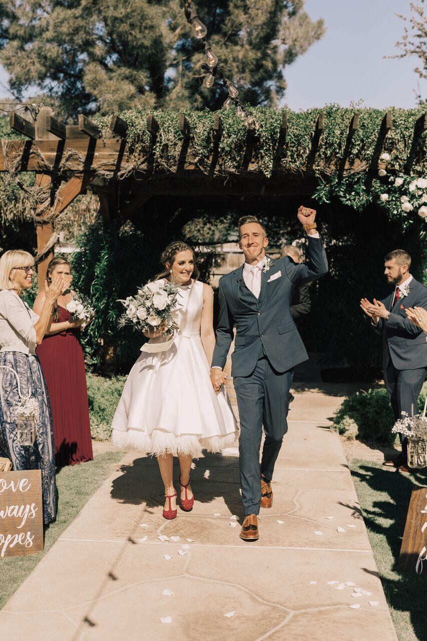 Wedding_Sentimental_Bride_Groom_BrideAndGroom