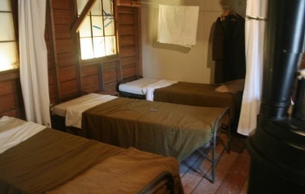 barracks_4556.tb.jpg