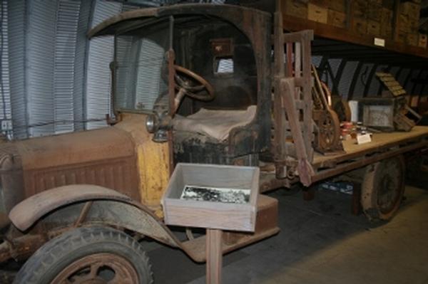 Republic Motor Truck, circa 1913-1929.