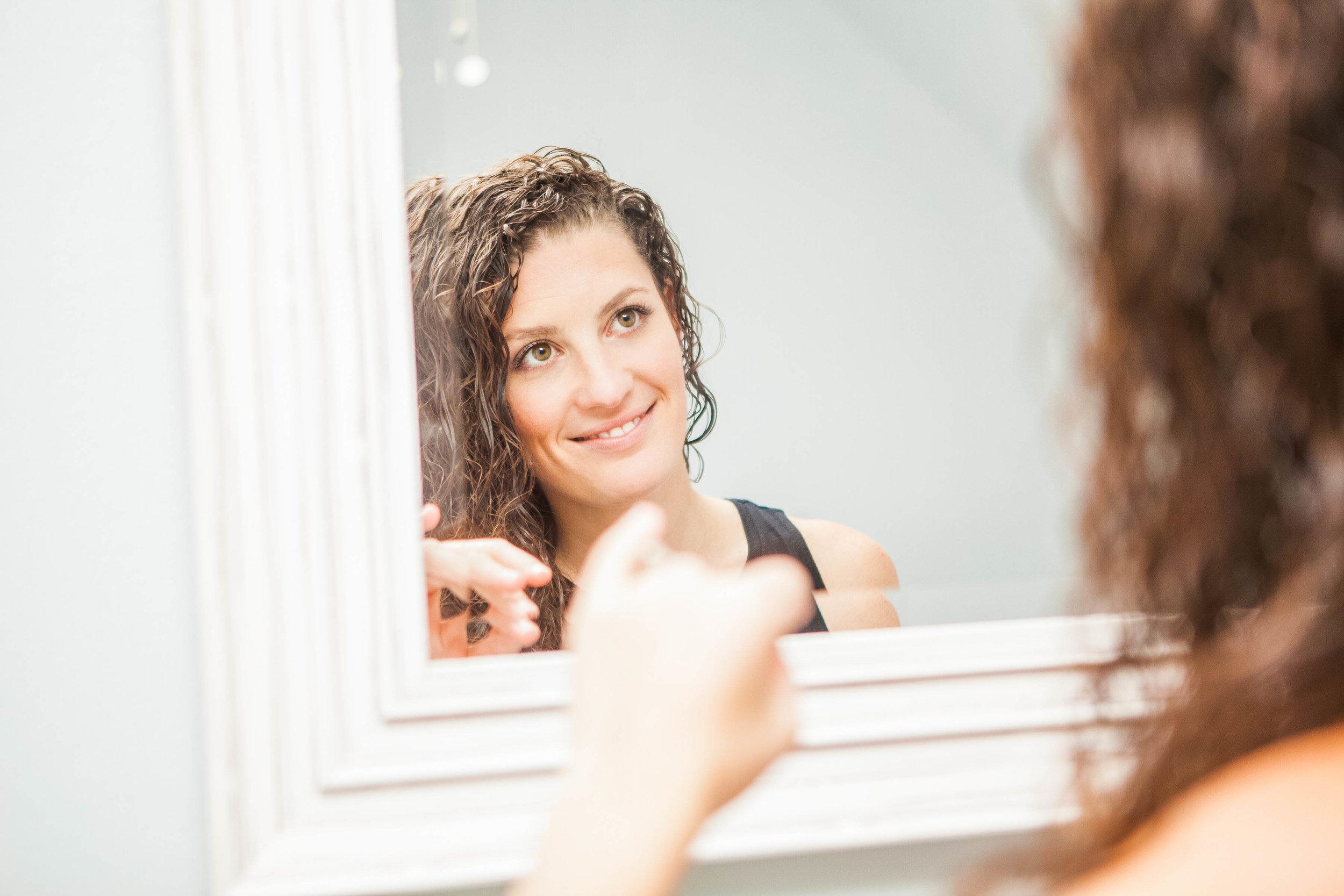 hannah mirror-3344.jpg