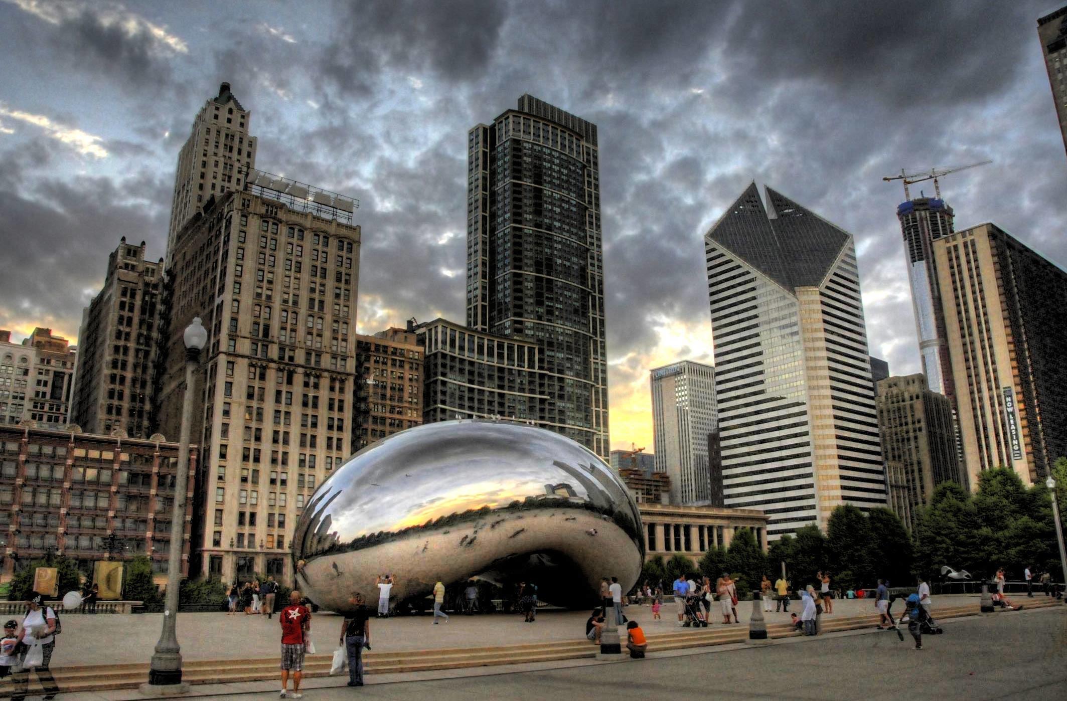 (Image: Anish Kapoor,  Cloud Gate , 2006, Chicago)