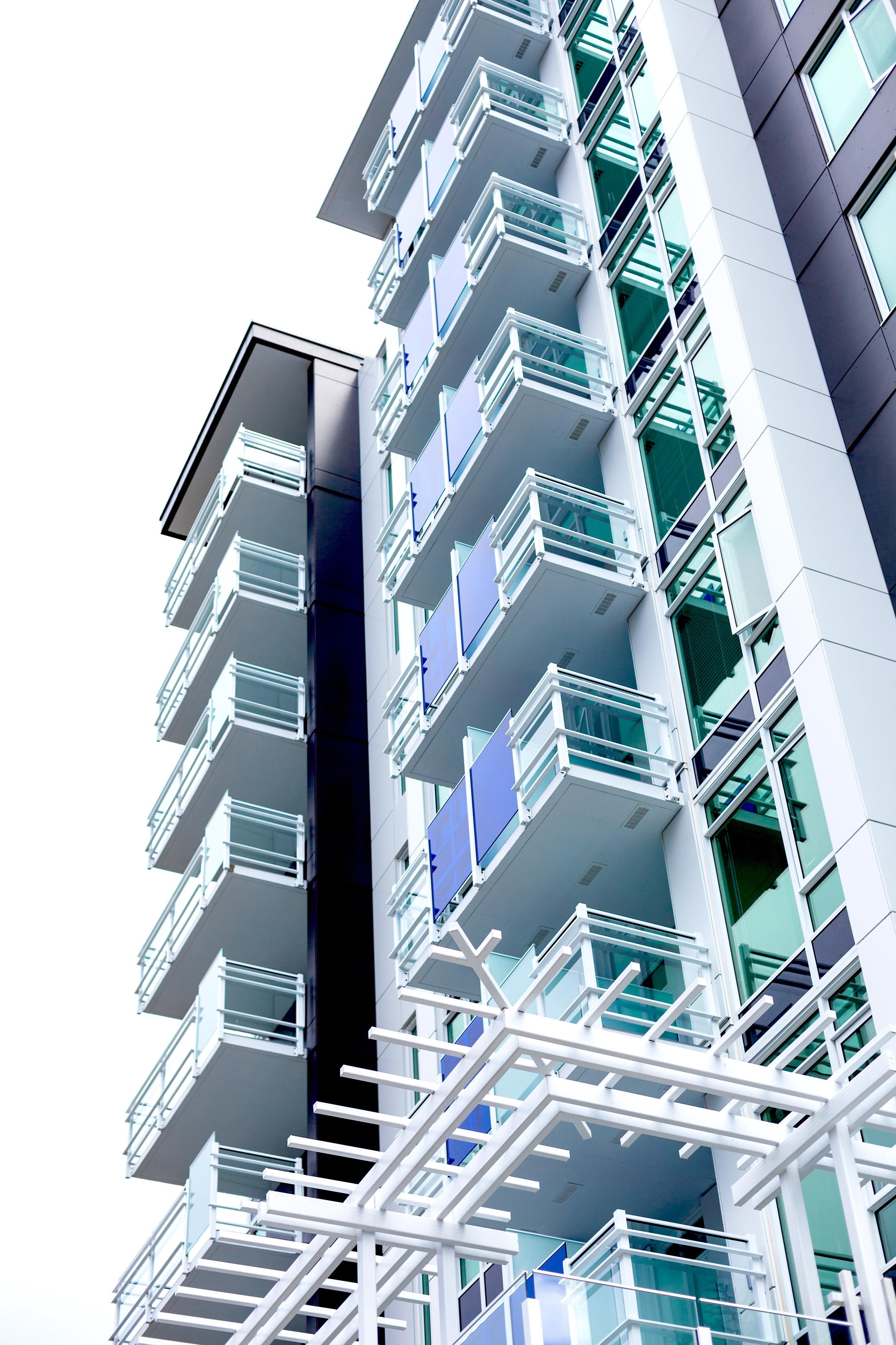 deHoog&Kierulf_victoria_architect_Mondrian.jpg
