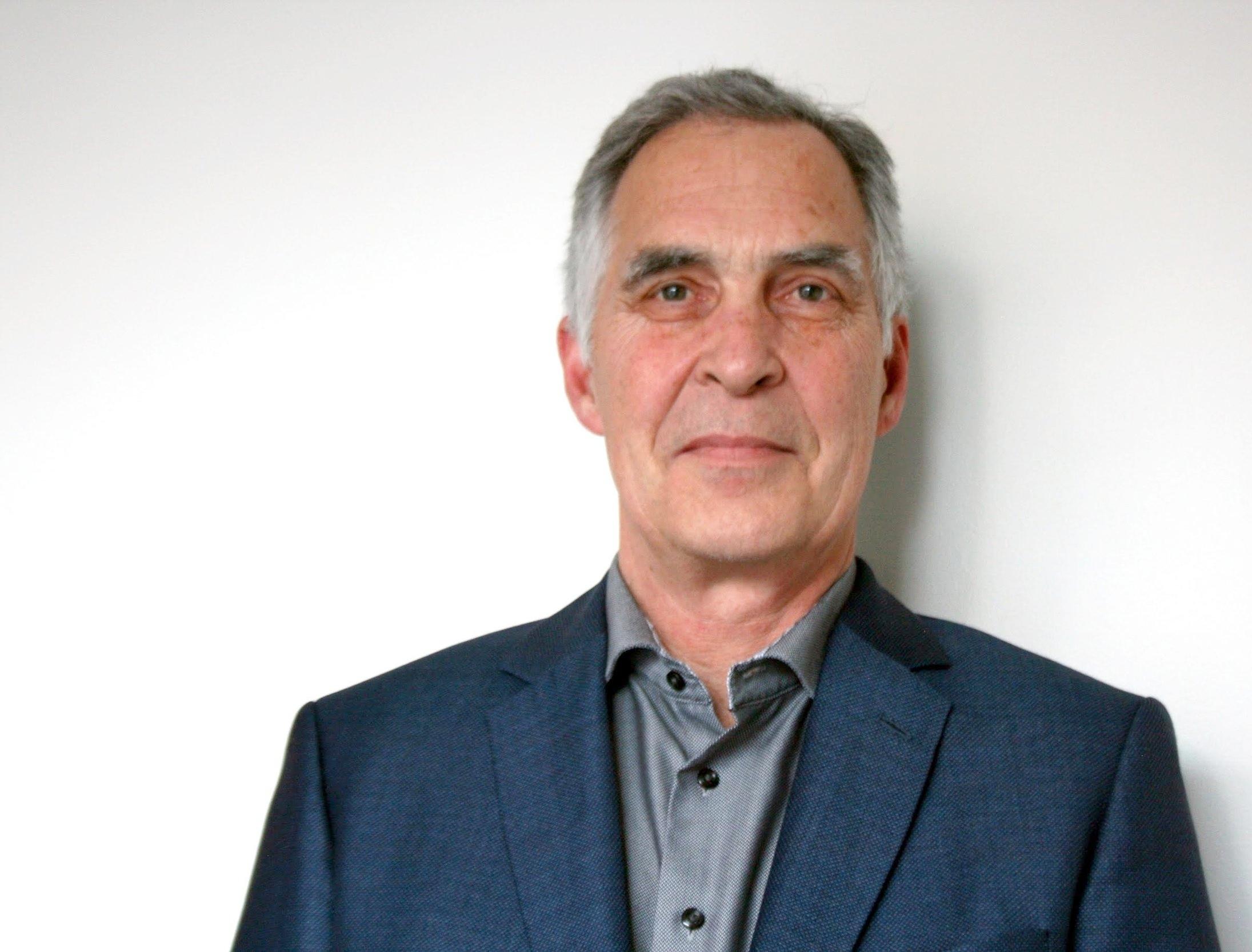 Gary Bearham  Architect AIBC  geb@dhk.ca