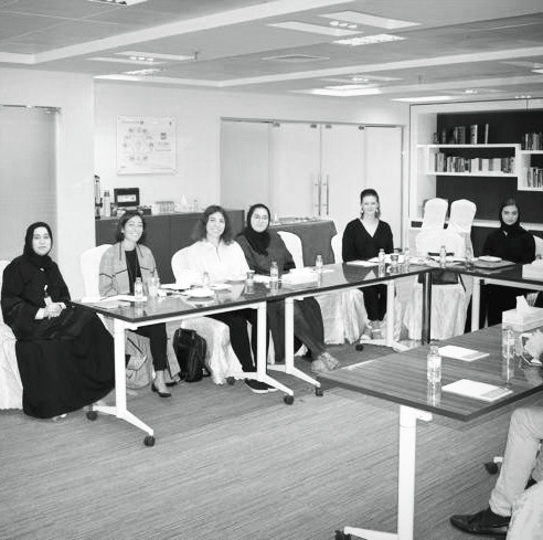 Federal Authority for Government Human Resources (FAHR) - Dubai, January 9, 2019At FAHR, the government entity that monitors the composition of the federal government workforce, students engaged in a lively conversation with H.E. Aisha Khalifa Al Suwaidi. H.E Al Suwaidi shared with the class some of her authority's efforts to ensure gender balance across federal entities, as well as information on the current gendered makeup of federal employees by sector.
