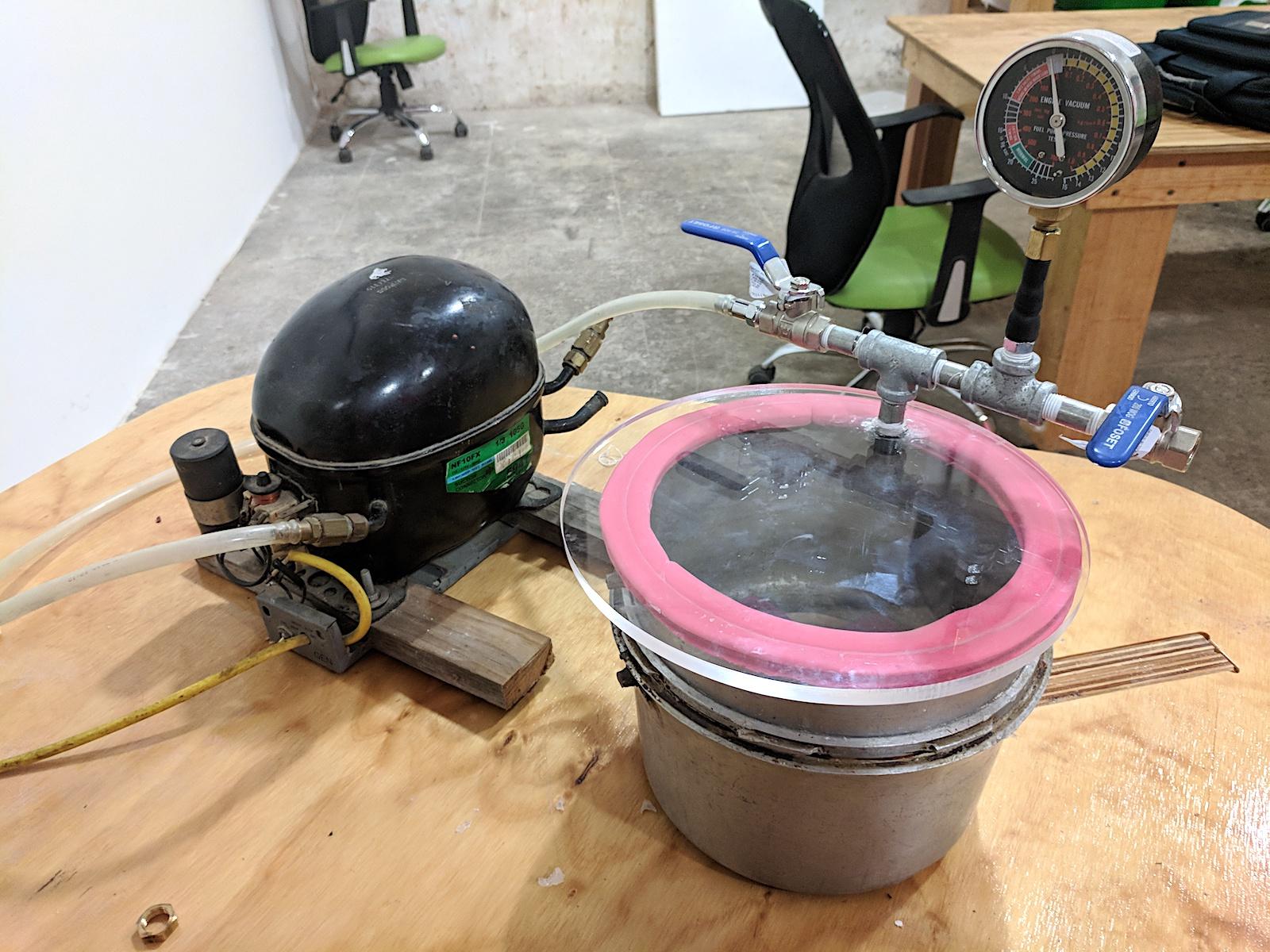 W11_vacuum machine.jpg