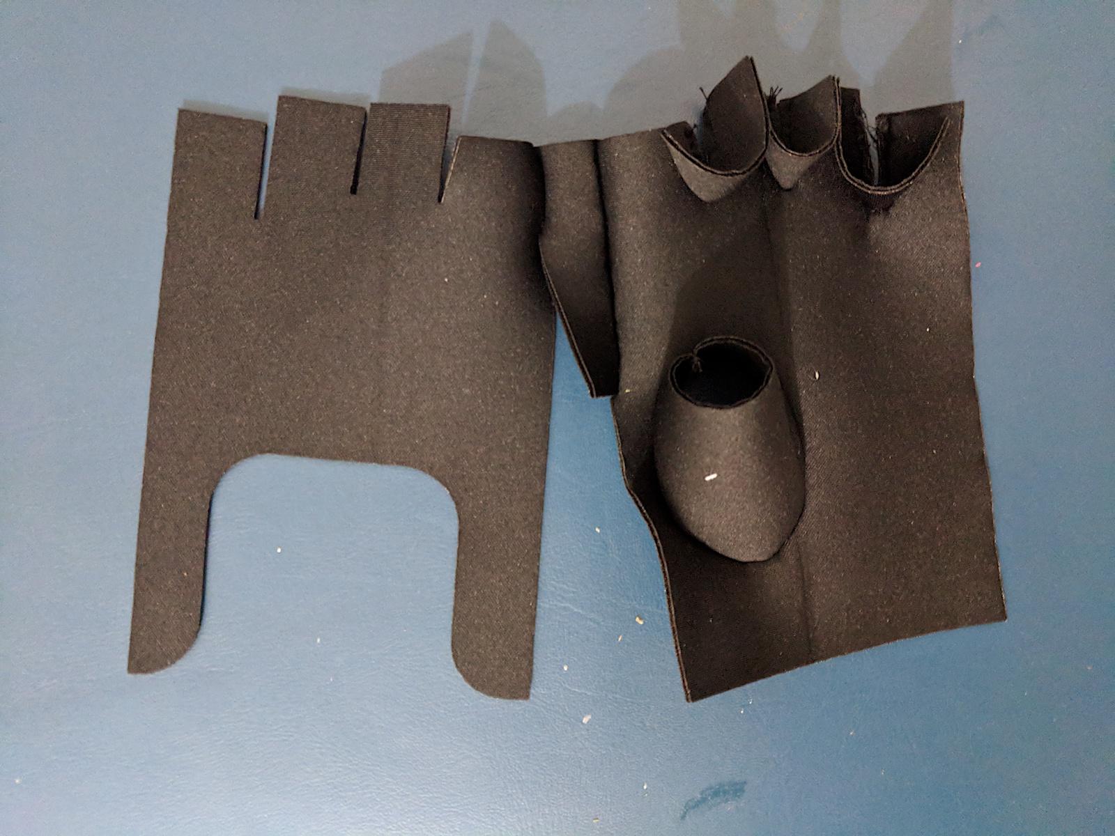 W12_glove 3.jpg