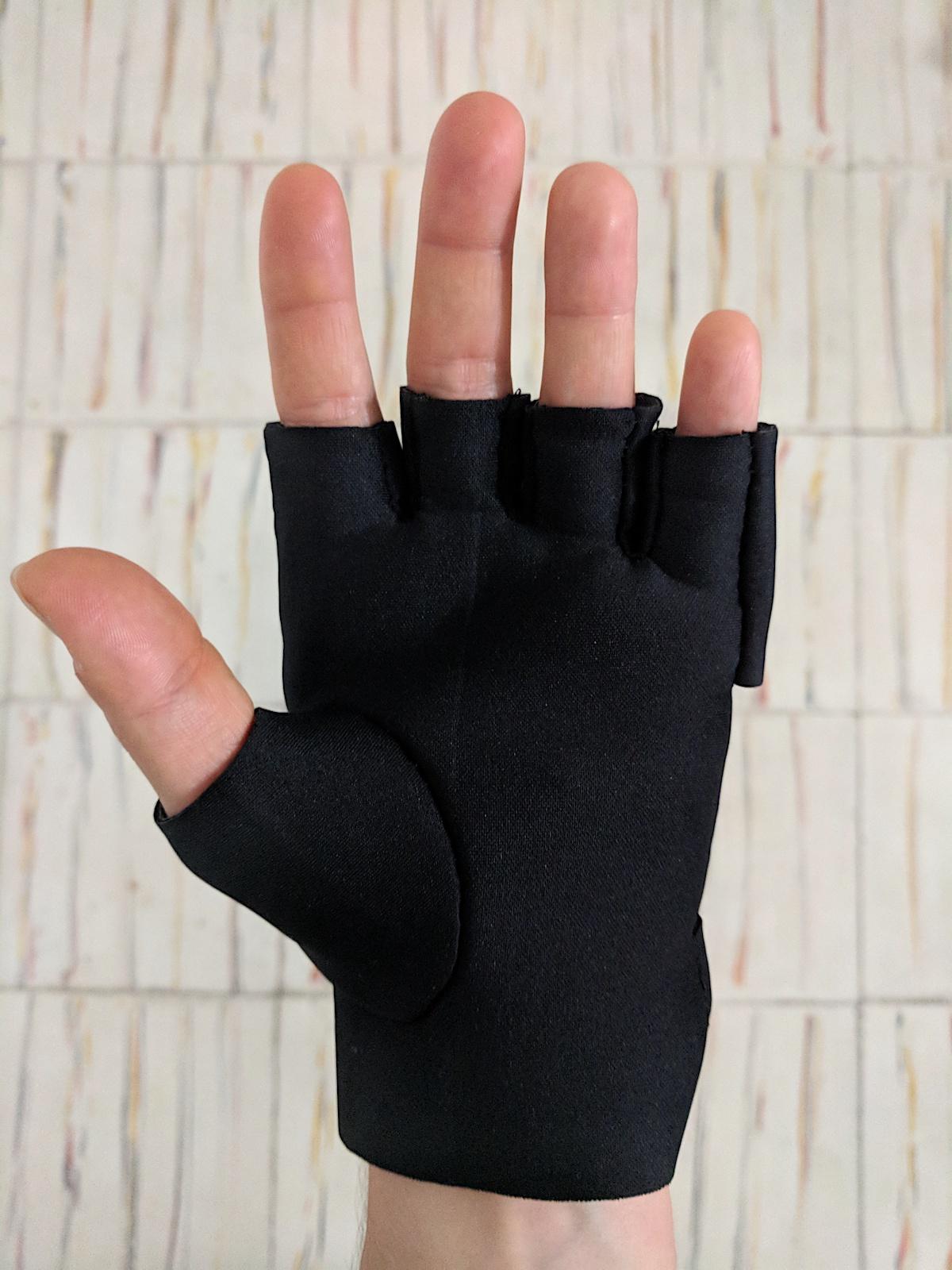 W12_glove hand.jpg