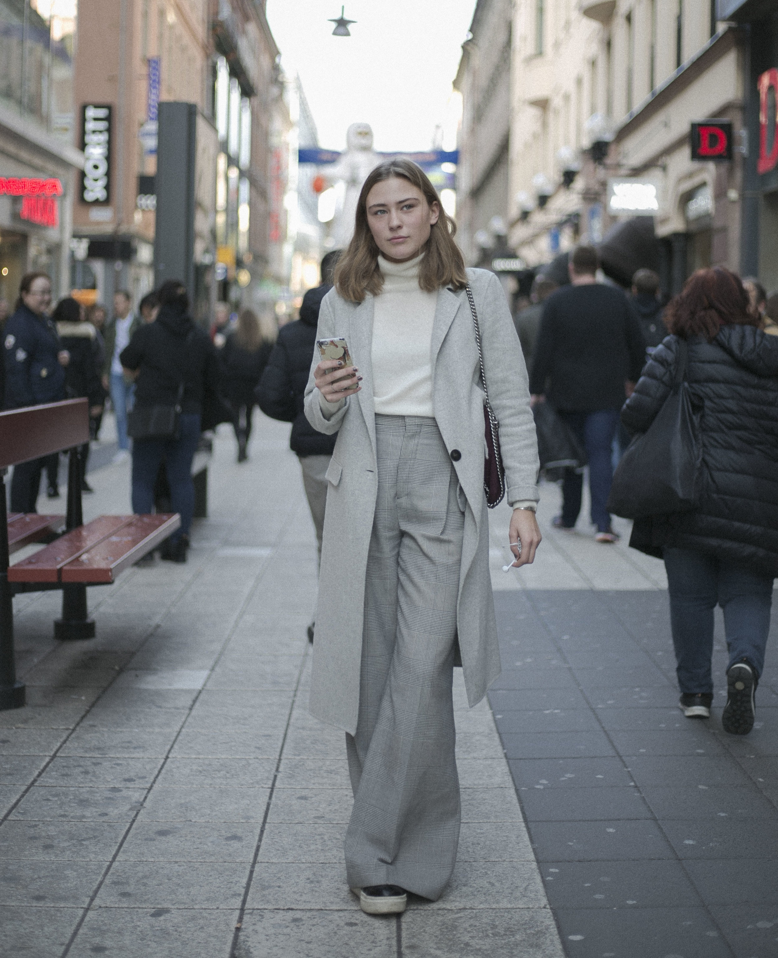 Simplicity and elegance with zarah wear on the streets of from down town Stockholm