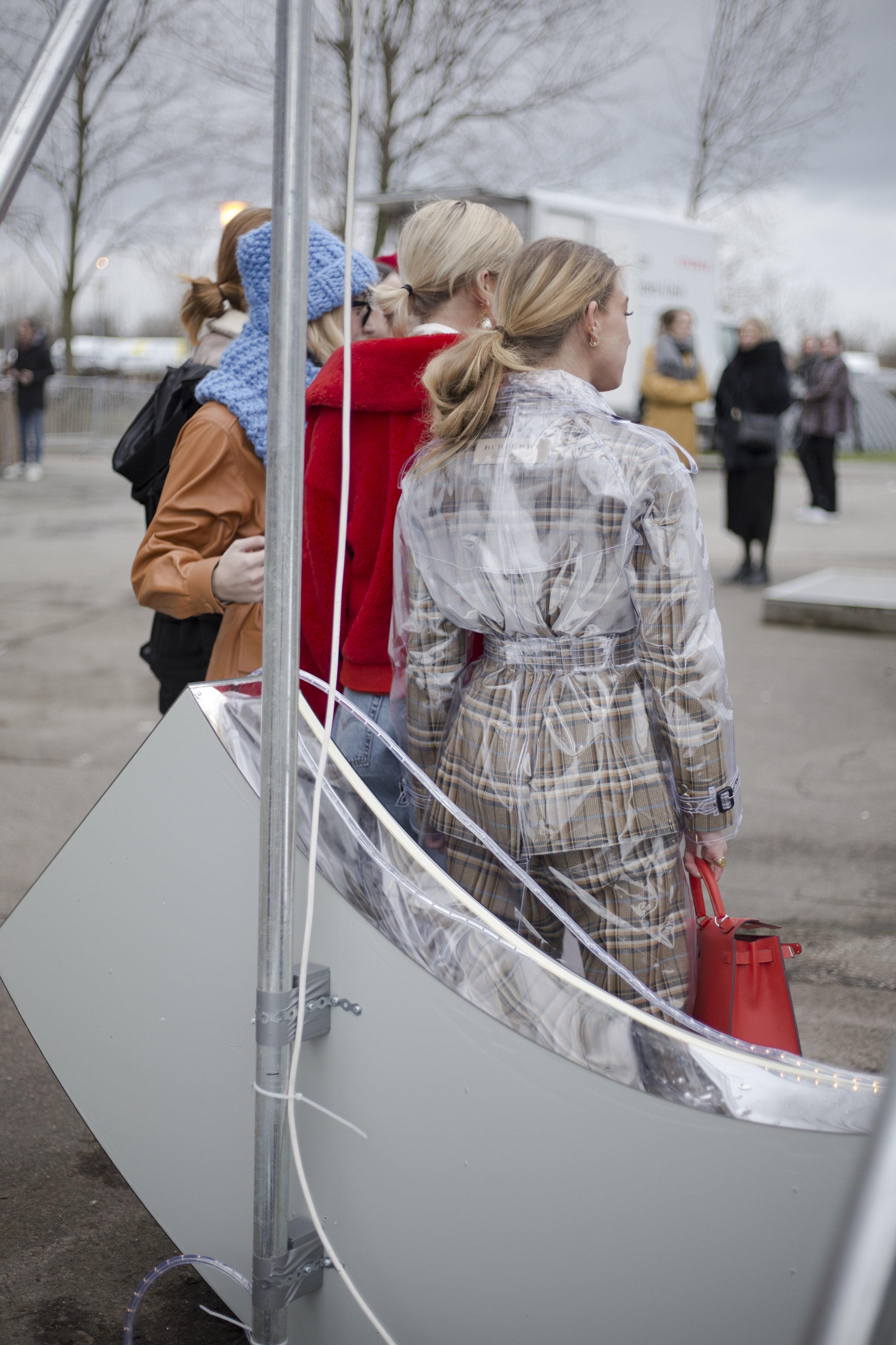 burberry-suit-emili-sindlev-copenhagen-fashion-week-scandinavian-street-style-streetstyle-thestreetland-fashion-best-style.jpg