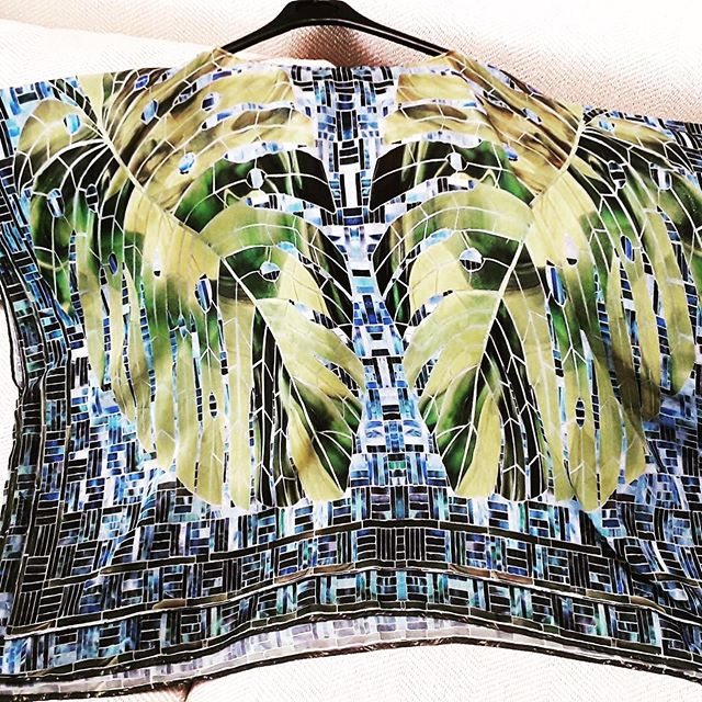 The #fabrics that we printed for artist @eddieferraioli were transformed into several #beautiful #fashion #products. We developed a #kaftan, and different #scarfs created off the manipulation of #photographs of the #mosaics taken by the #artist himself #fashionart #localartist #puertorico . . . Las telas que imprimimos para el #artista Eddie Ferraioli se transformaron en varios #productos de #moda hermosos. Abajo puede ver un kaftan y dos #bufandas con arte creadas de la manipulación de #fotografías de los #mosaicos tomadas por el propio artista.