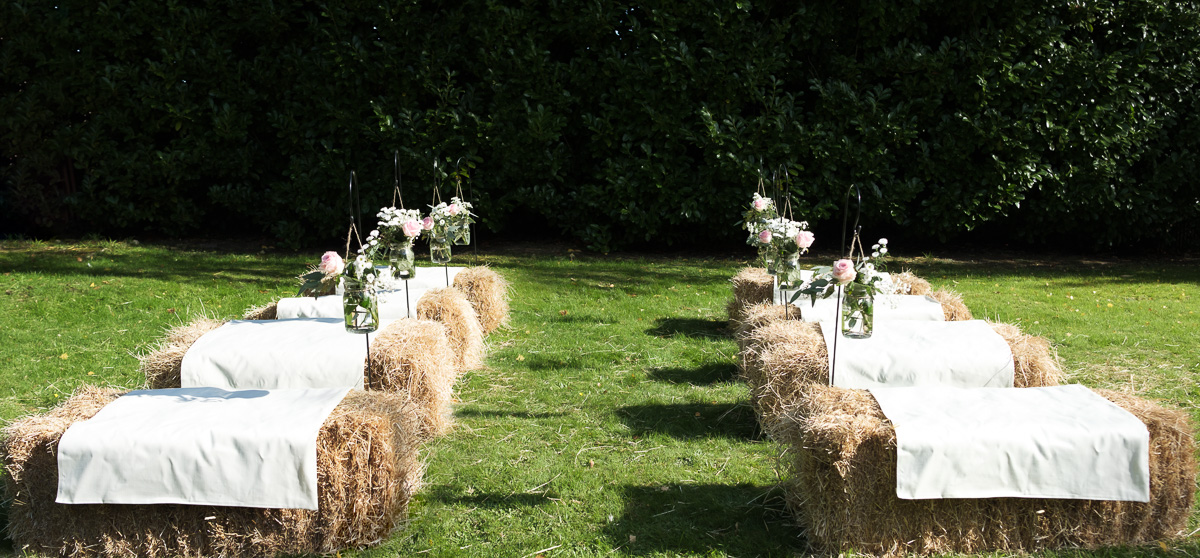 hay-bale-ceremony-seating.jpg