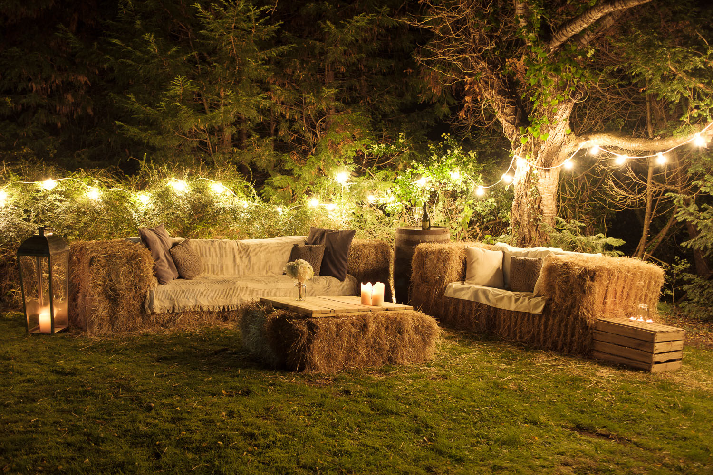hay-bale-sofas.jpg