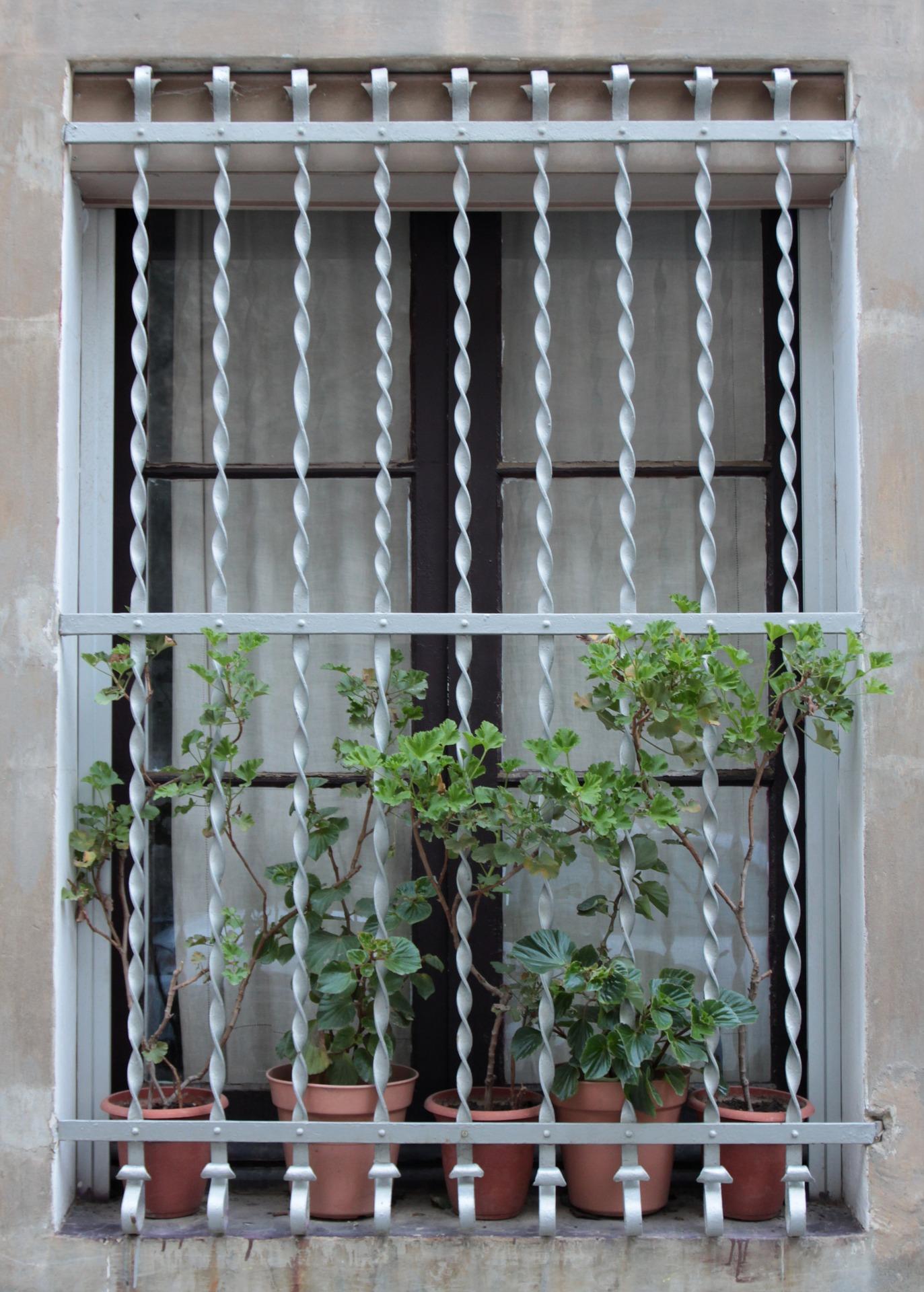 barred-shut-windows-bend-locksmith-services.jpg