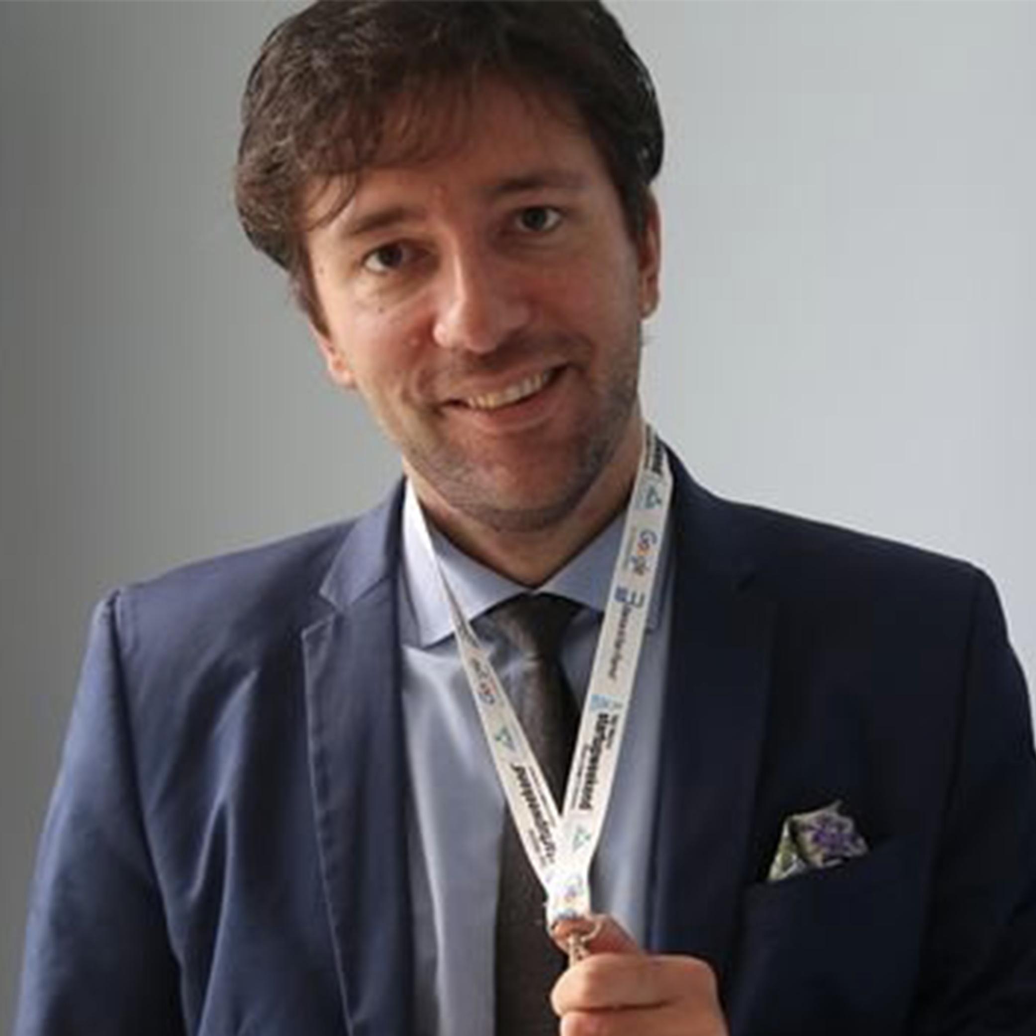 Diego De Simone   Marketing Consultant