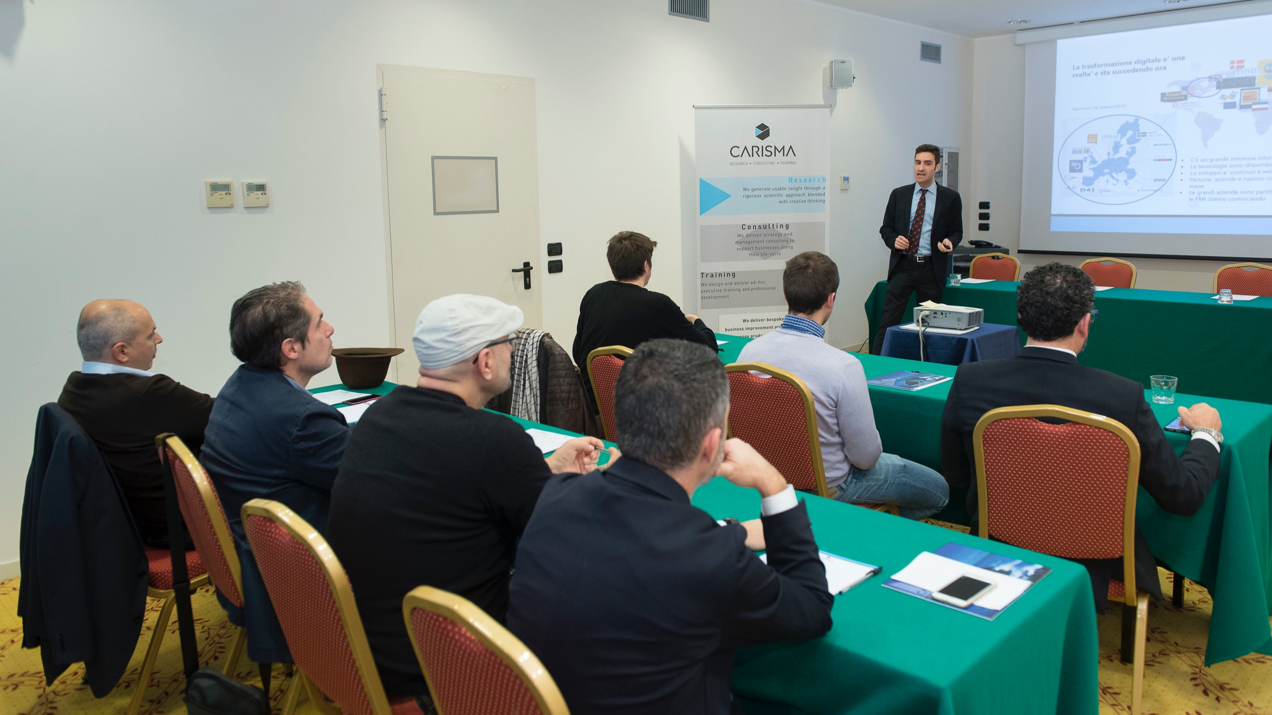 Conferenza-046CARISMA.jpg