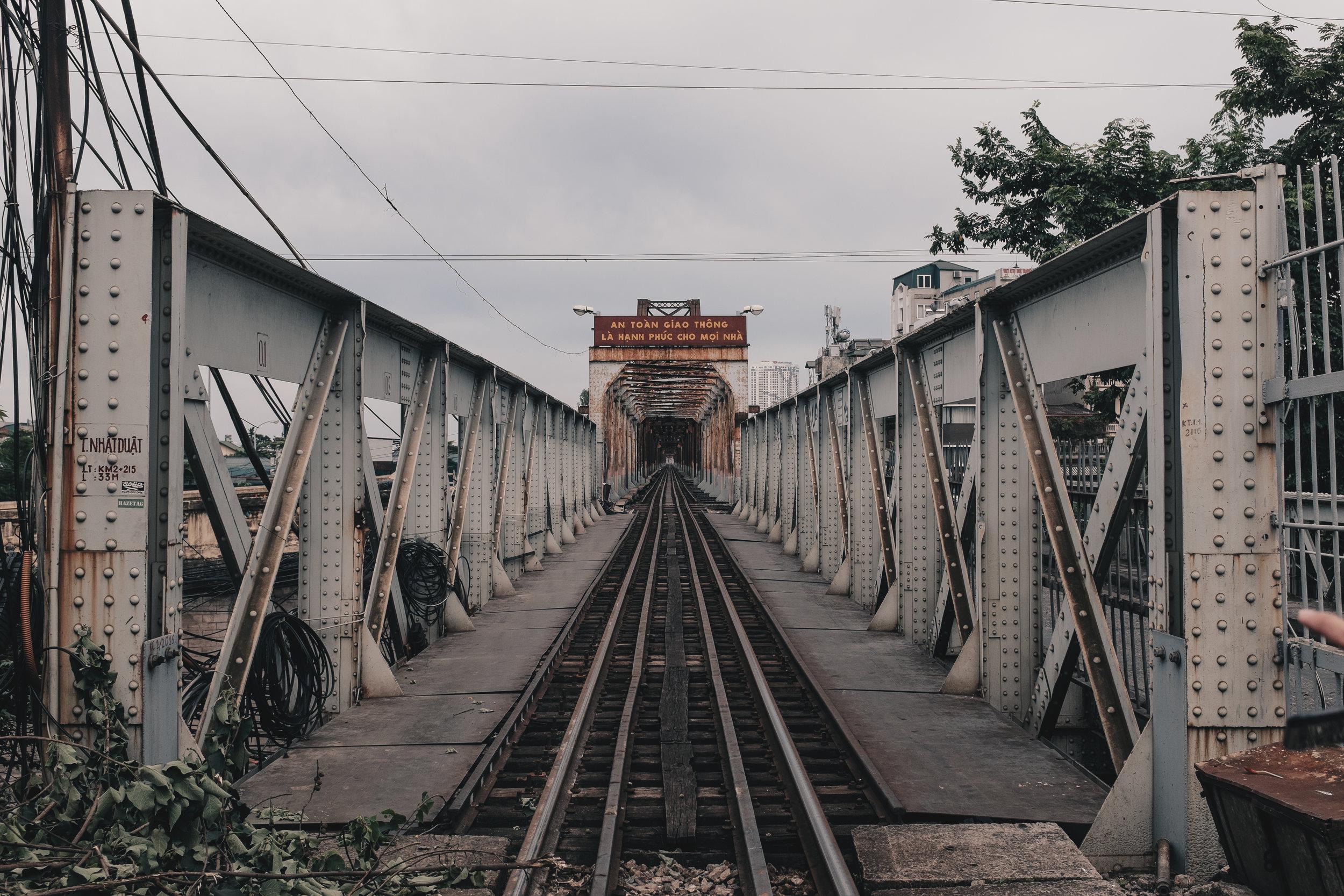 The view of Long Biên bridge from its namesake station