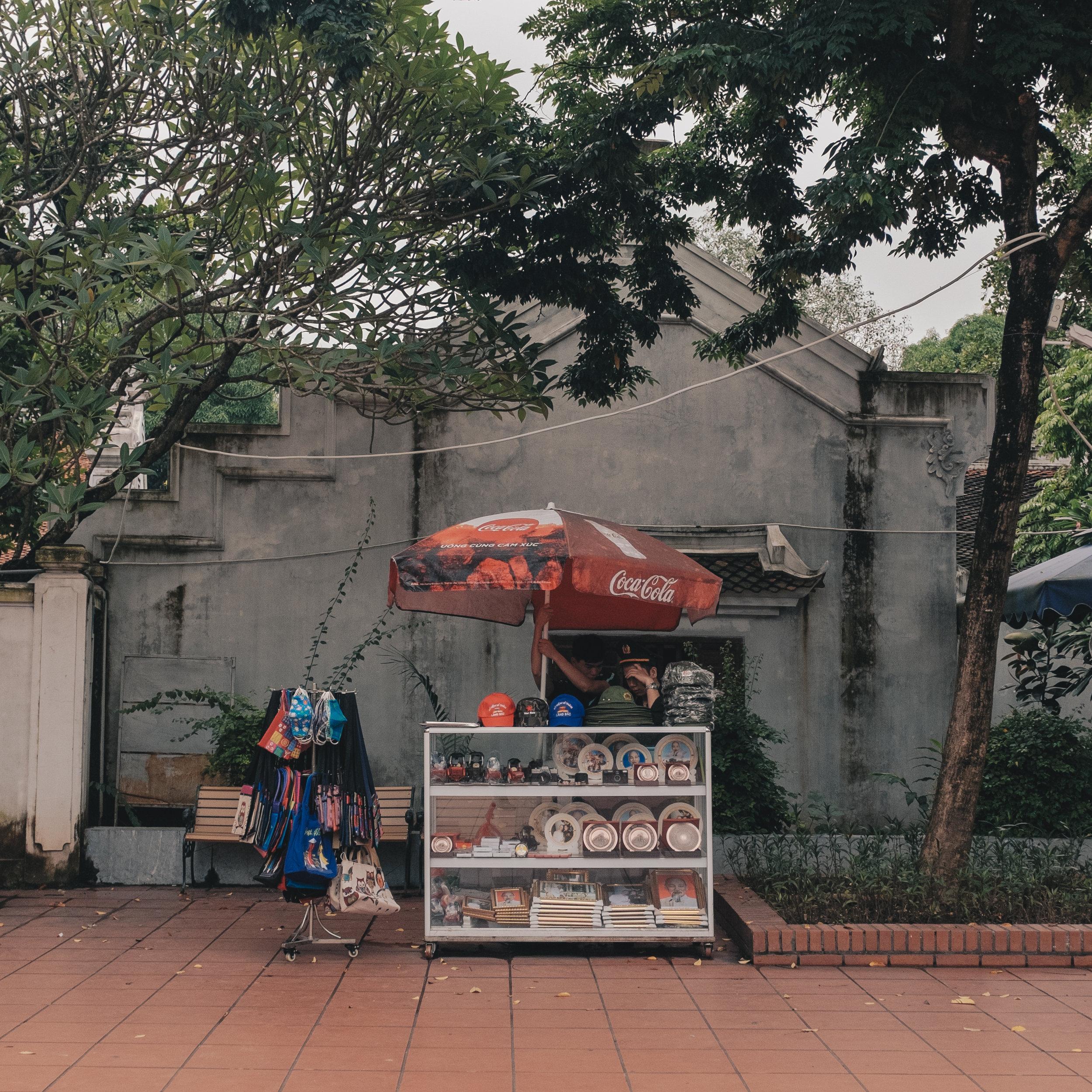 hanoi-shopping.jpg