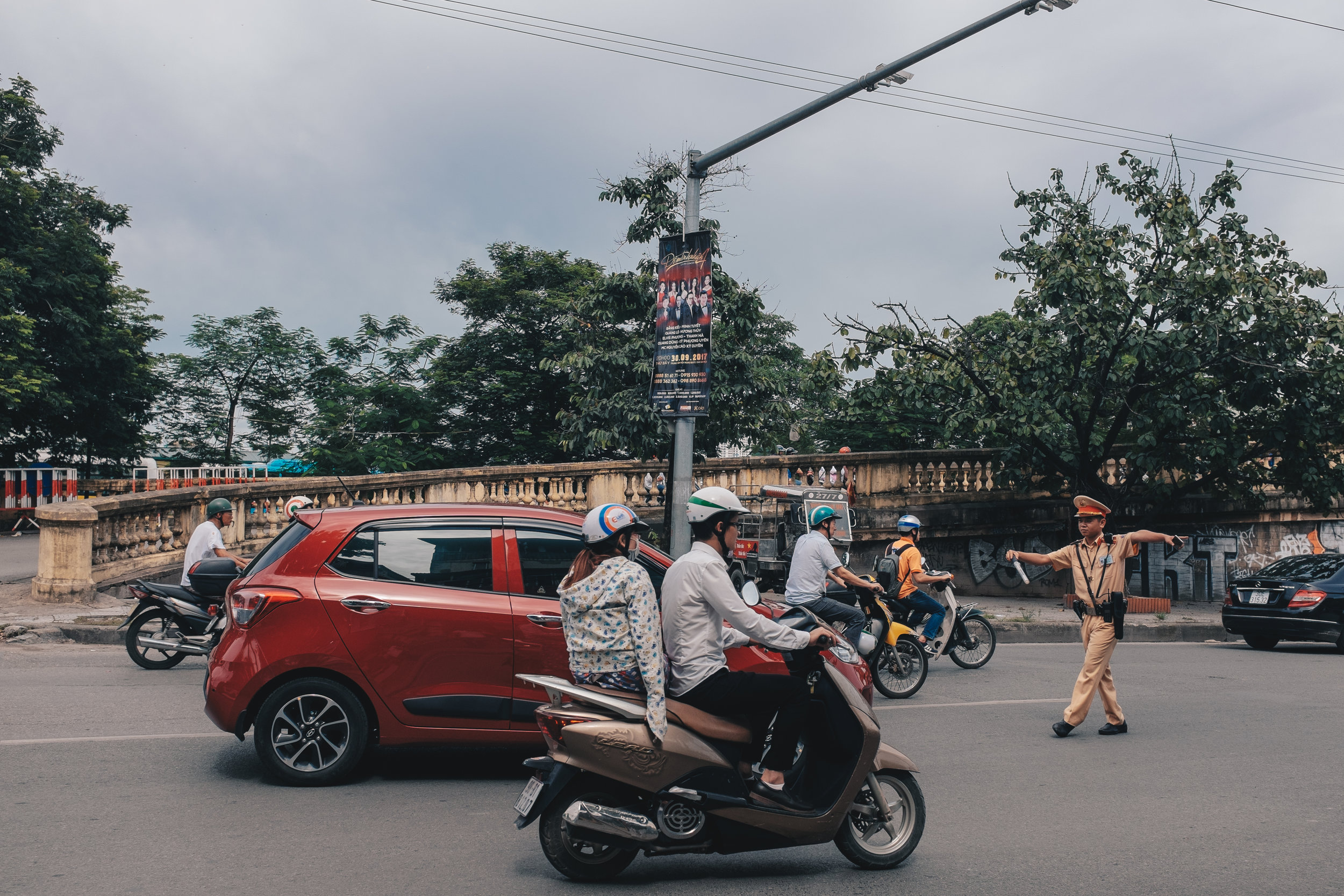 hanoi-traffic-motorbike.jpg
