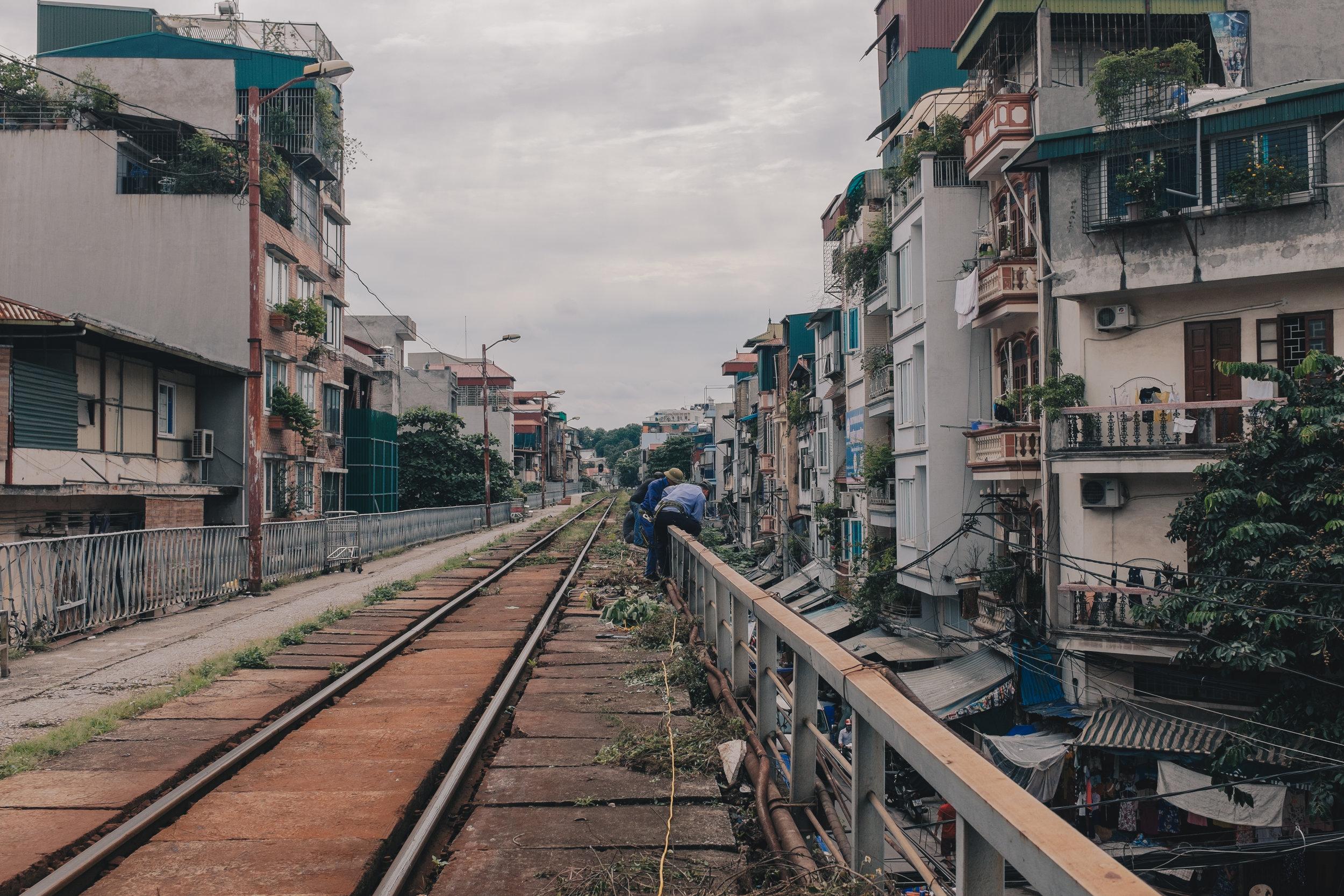 long-bien-station-hanoi-train-tracks.jpg
