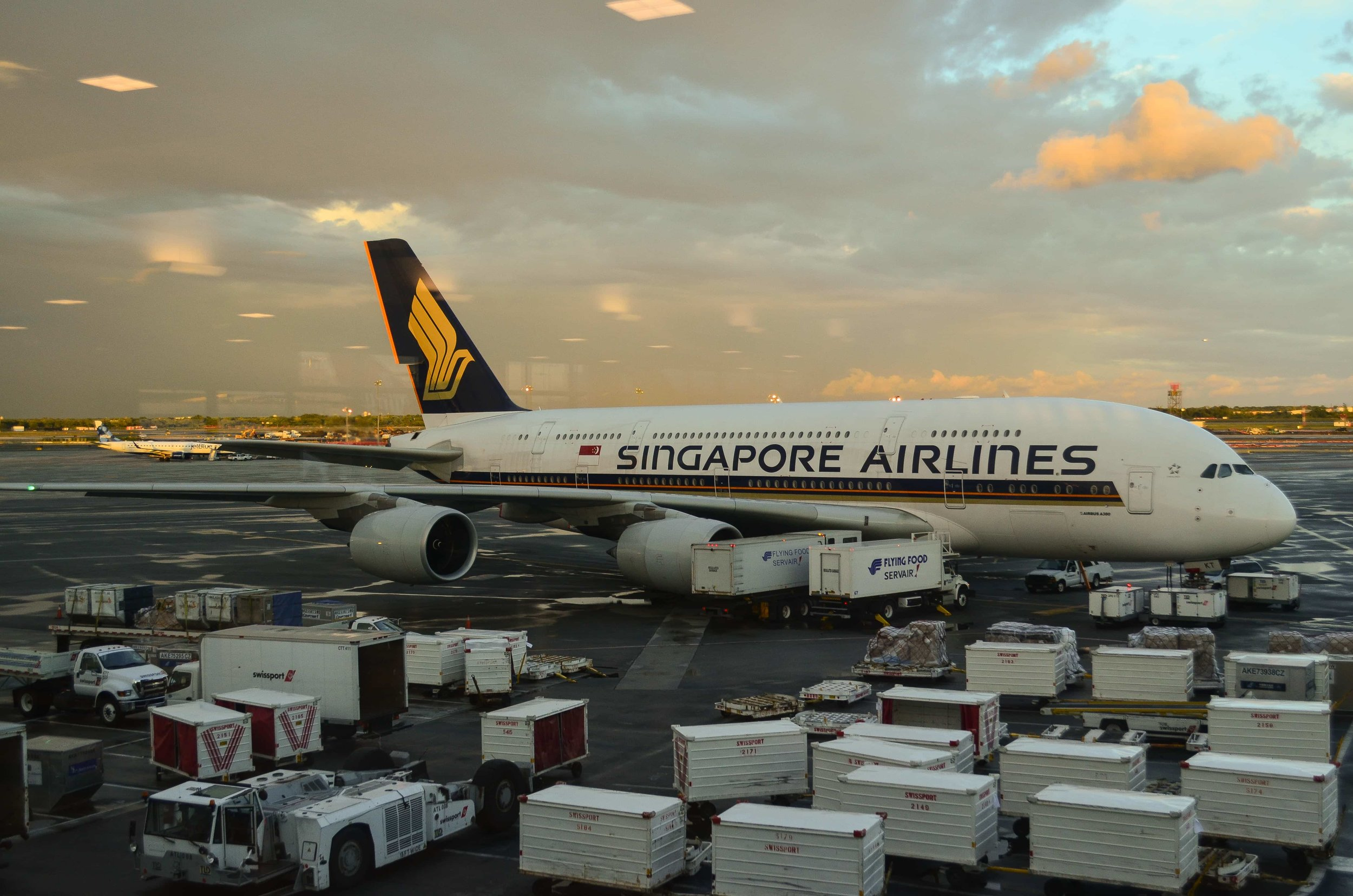 Singapore Airlines is one of the few carriers that operate A380s to New York's JFK,  photo from Flickr user Amiga-Commodore