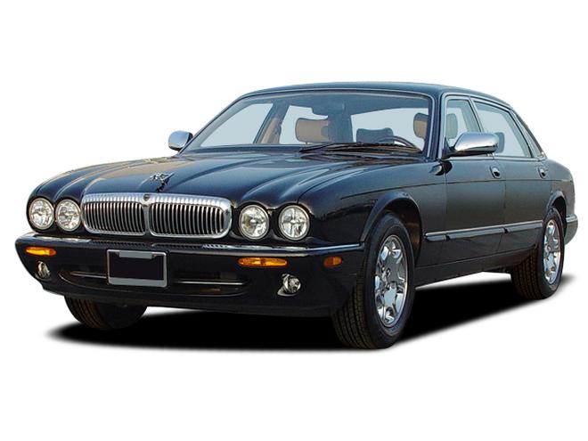 2003-jaguar-xj-series-vanden-plas-sedan-angular-front.png