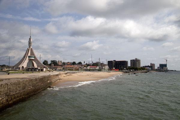 bata-waterfront01.jpg