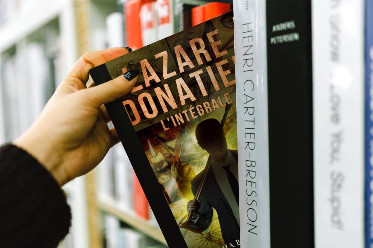 Couverture Lazare en librairie - mockup.jpg