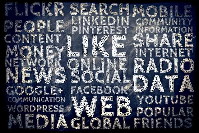 réseaux sociaux - image pour site - article vie d'auteur ép. 1.jpg