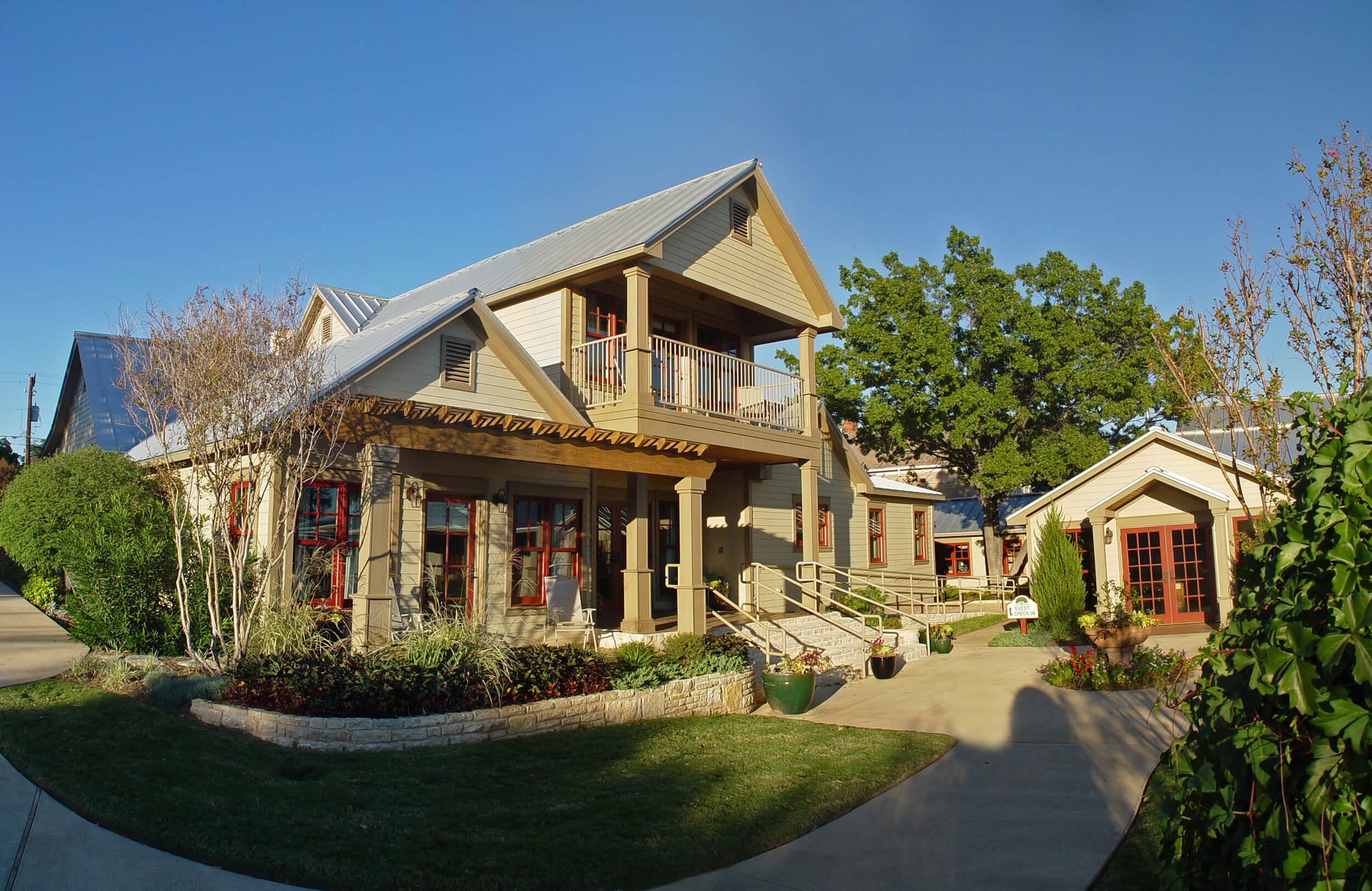 Steve_Bumpas_Inn_Lake_Granbury_16.jpg
