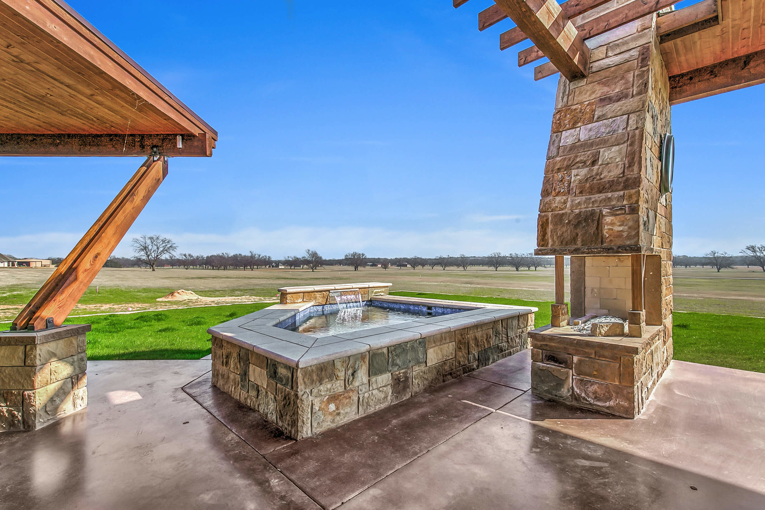 Steve Bumpas Custom Homes Granbury Glen Rose Silver Sage Court-36.jpg