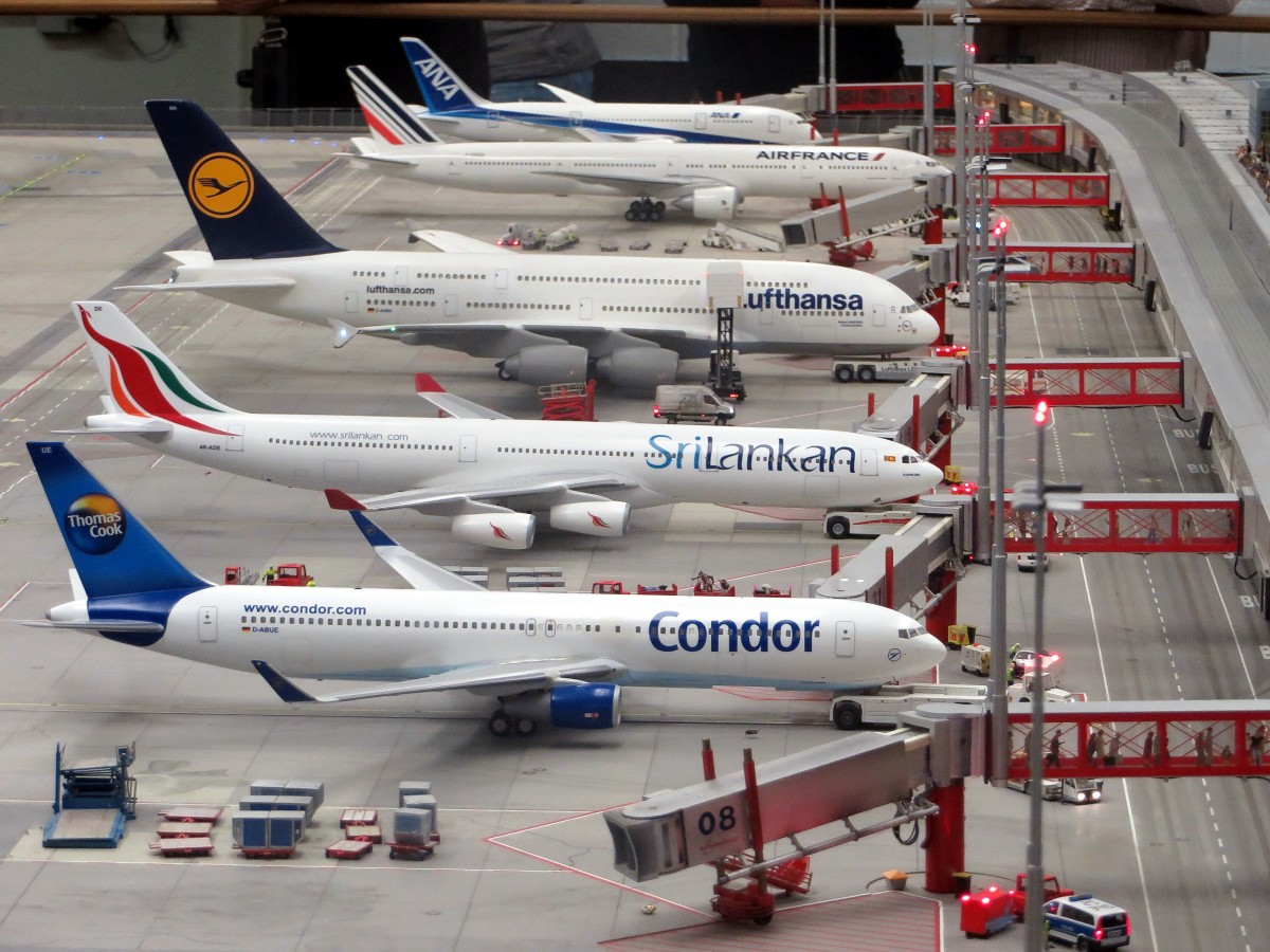 model_planes_airplanes_miniatur_wunderland_hamburg_models_planes_aeroplanes_flugzeuge-555728.jpg